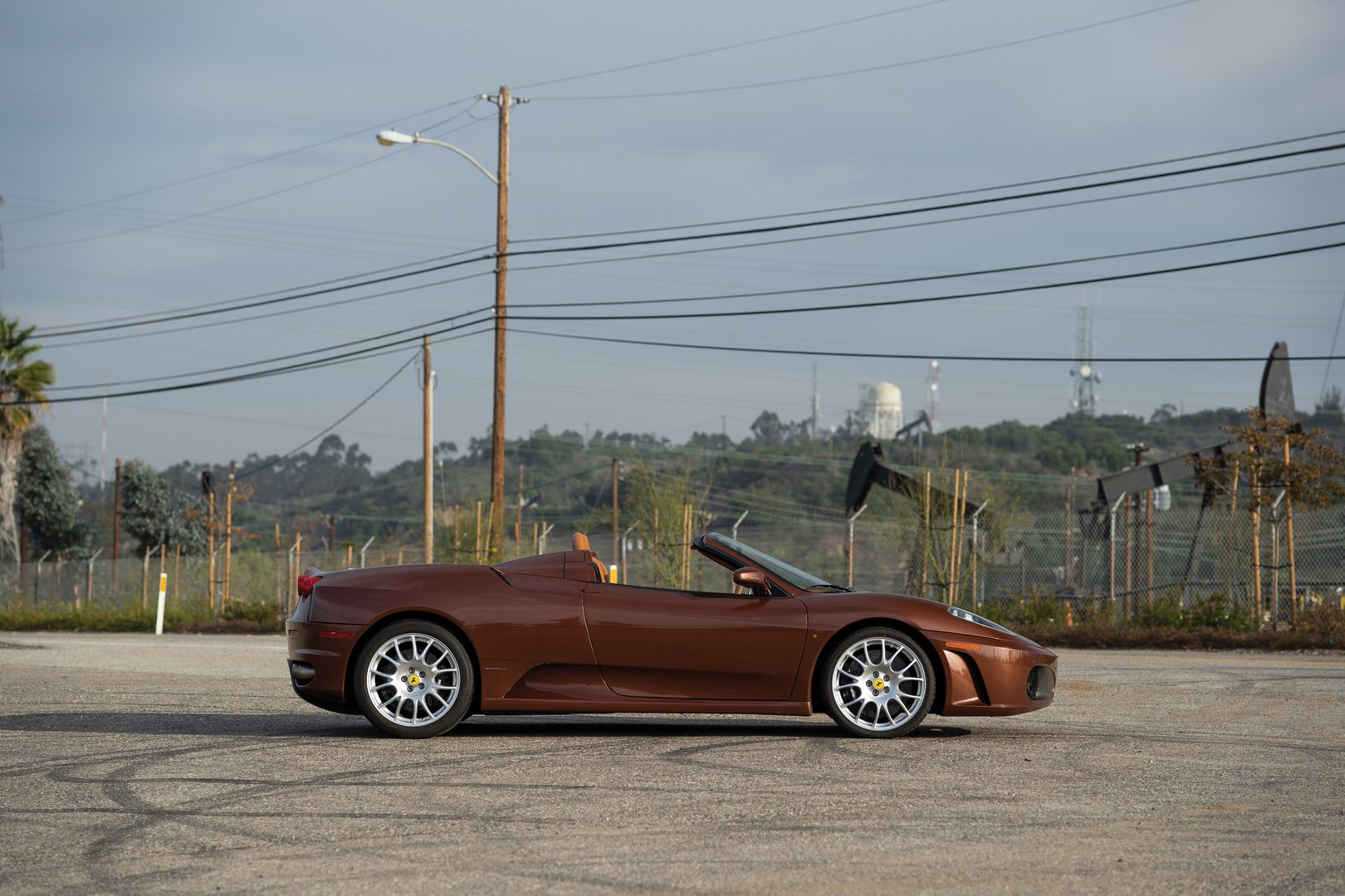 Ferrari F430 Spider in brown Classic Marrone color (3)