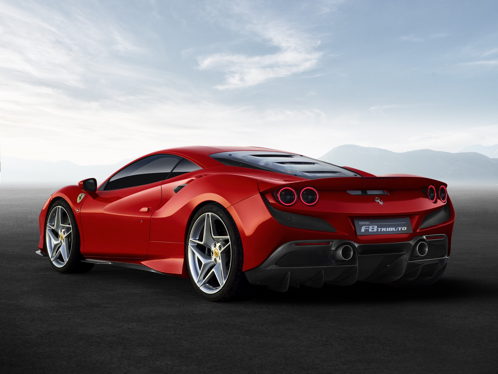 Ferrari F8 Tributo (4)