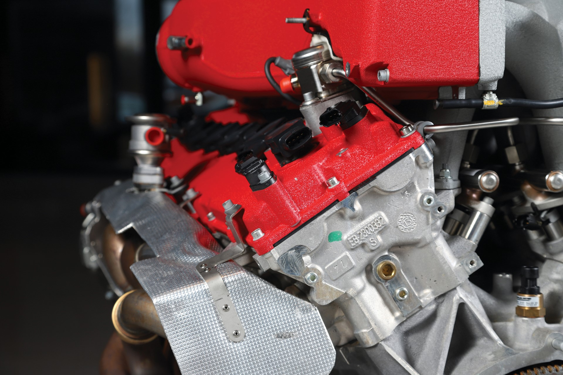 Ferrari-FF-Engine-with-Stand_12