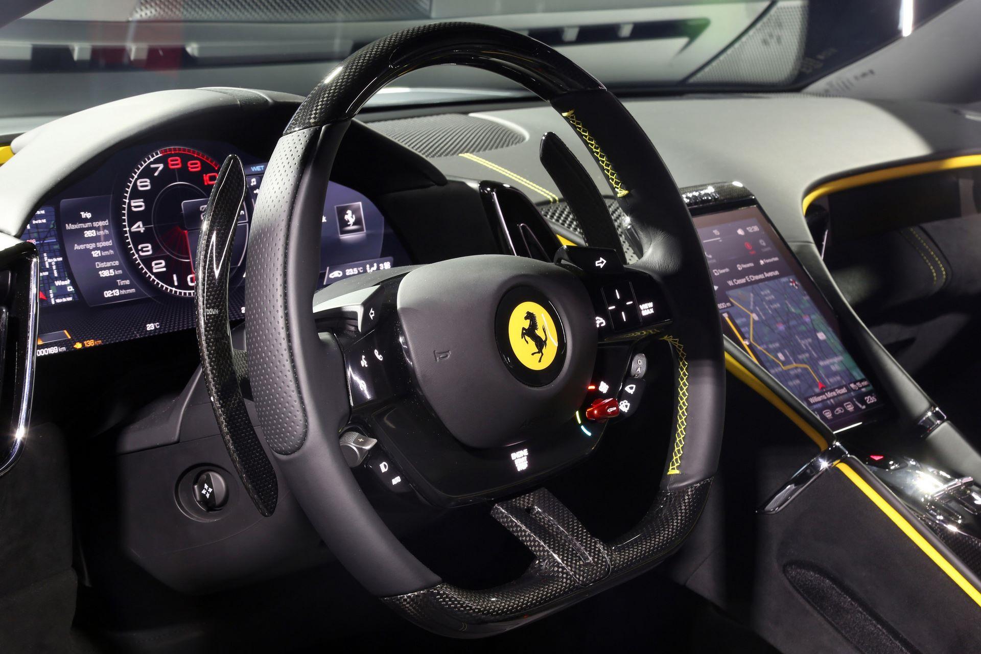 Ferrari-Roma-live-8