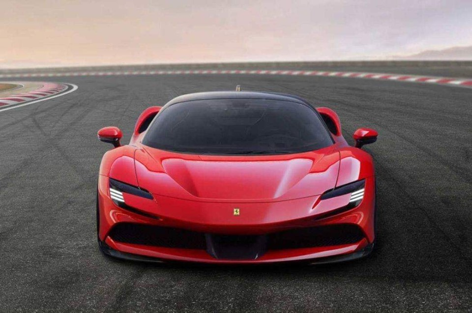 Ferrari_SF90_Stradale_leaked_0003