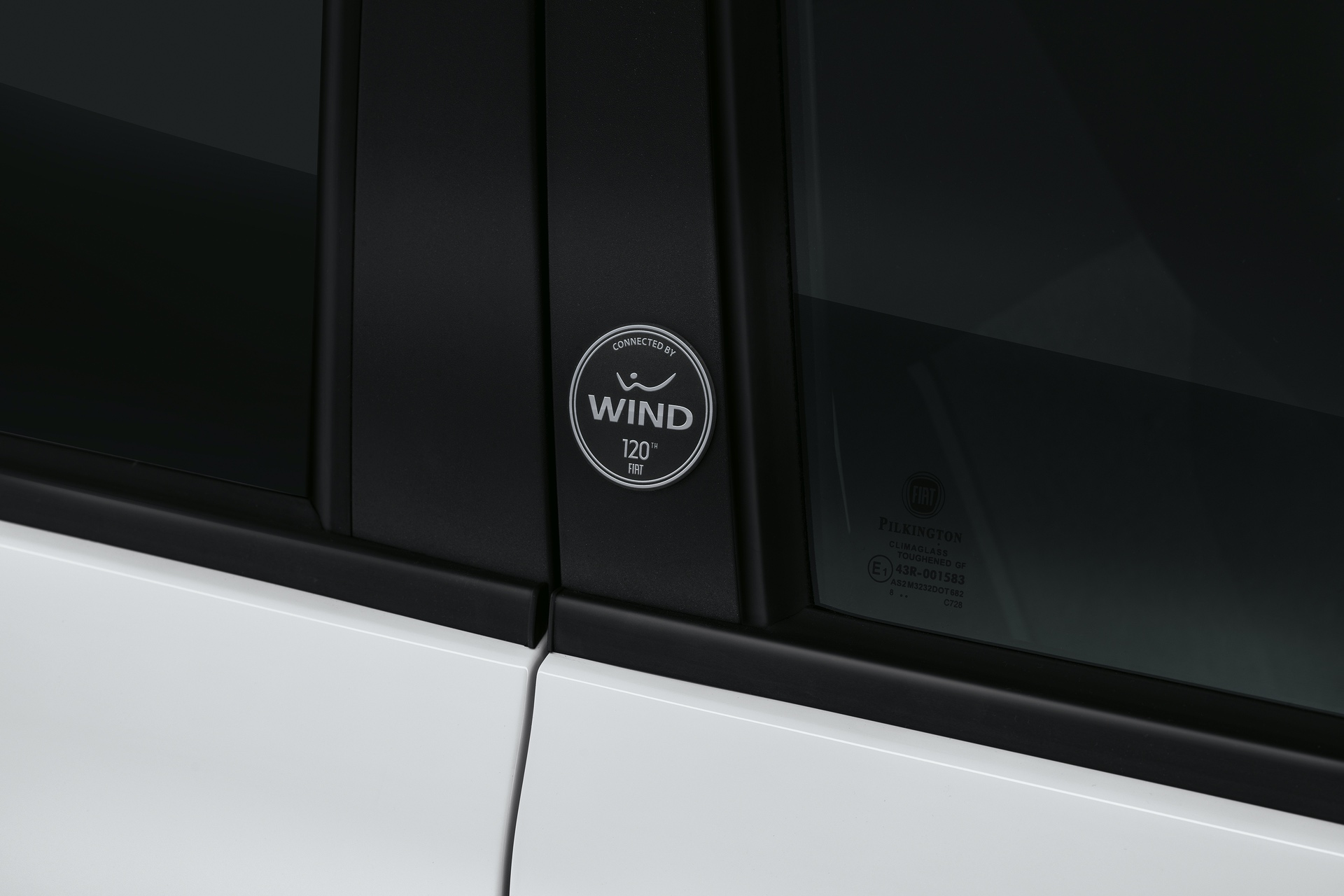 190225_Fiat_Panda-connected-by-Wind_05