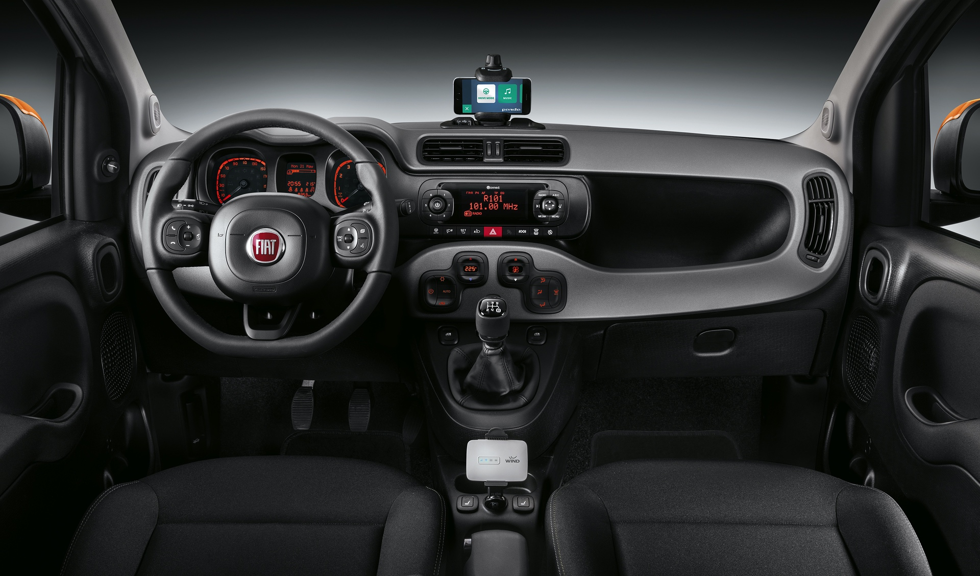 190225_Fiat_Panda-connected-by-Wind_06