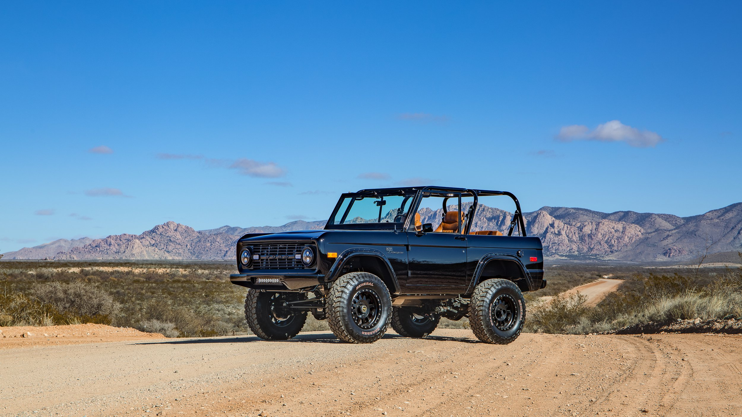 Ford Bronco 1969 by Velocity Restorations (1)