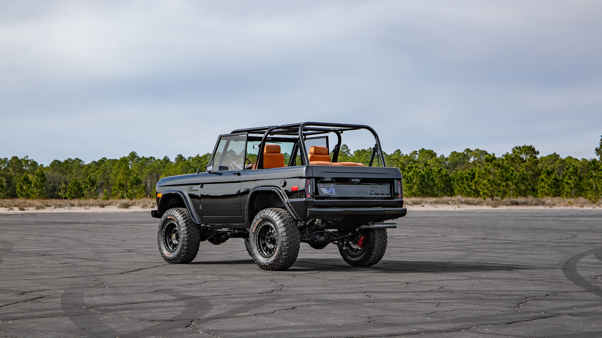 Ford Bronco 1969 by Velocity Restorations (10)