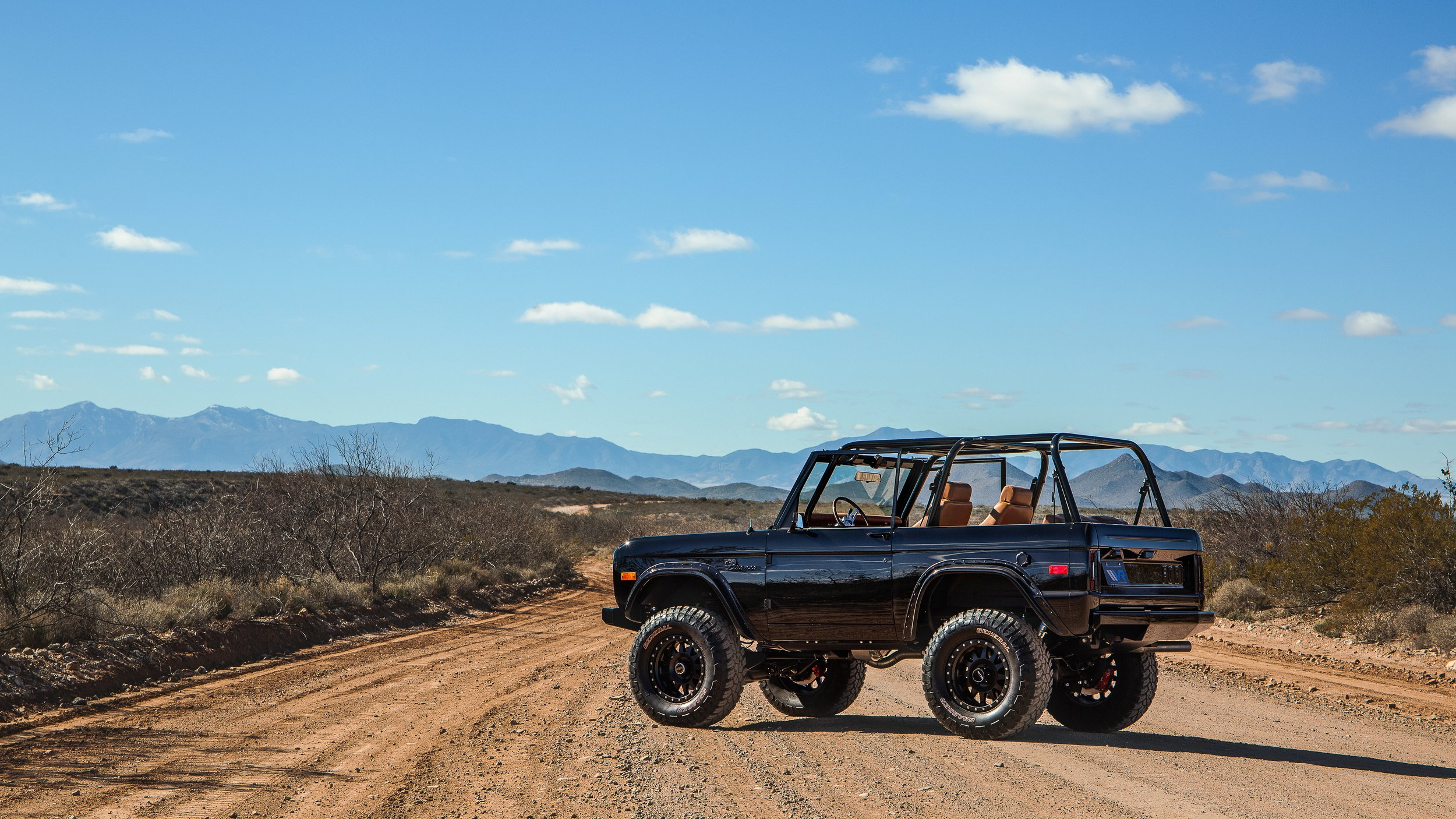 Ford Bronco 1969 by Velocity Restorations (2)