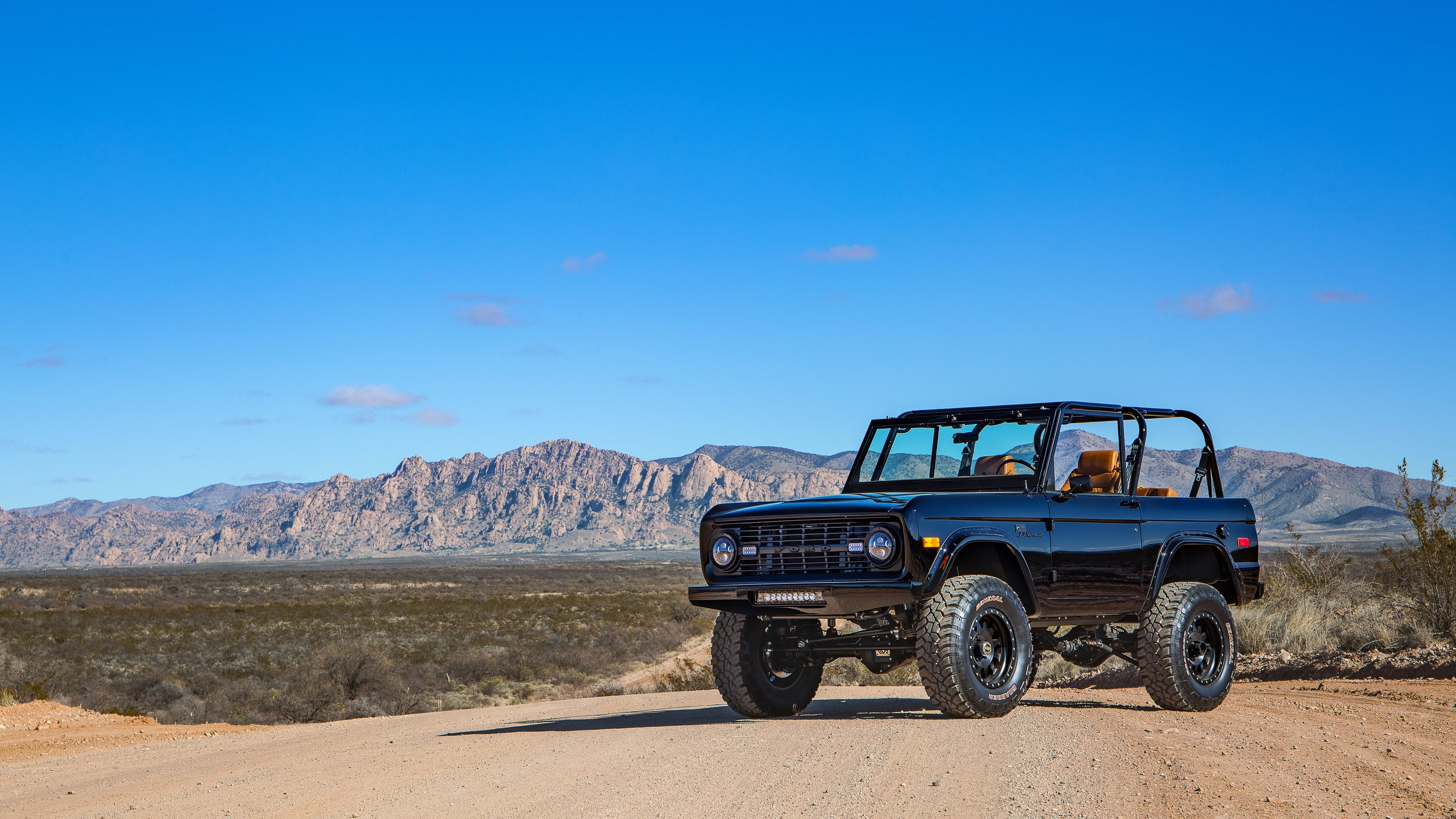 Ford Bronco 1969 by Velocity Restorations (3)