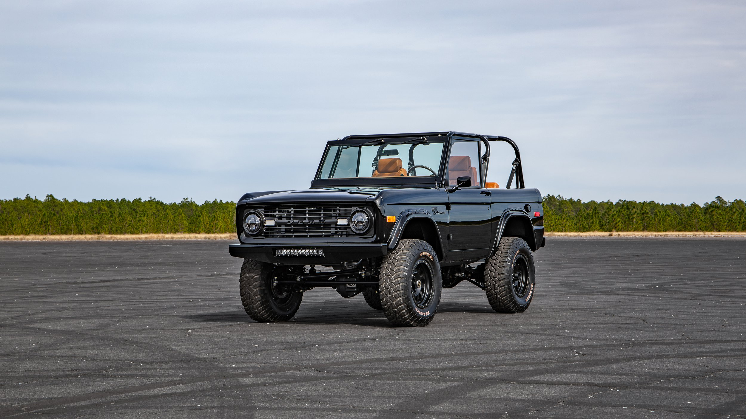 Ford Bronco 1969 by Velocity Restorations (6)