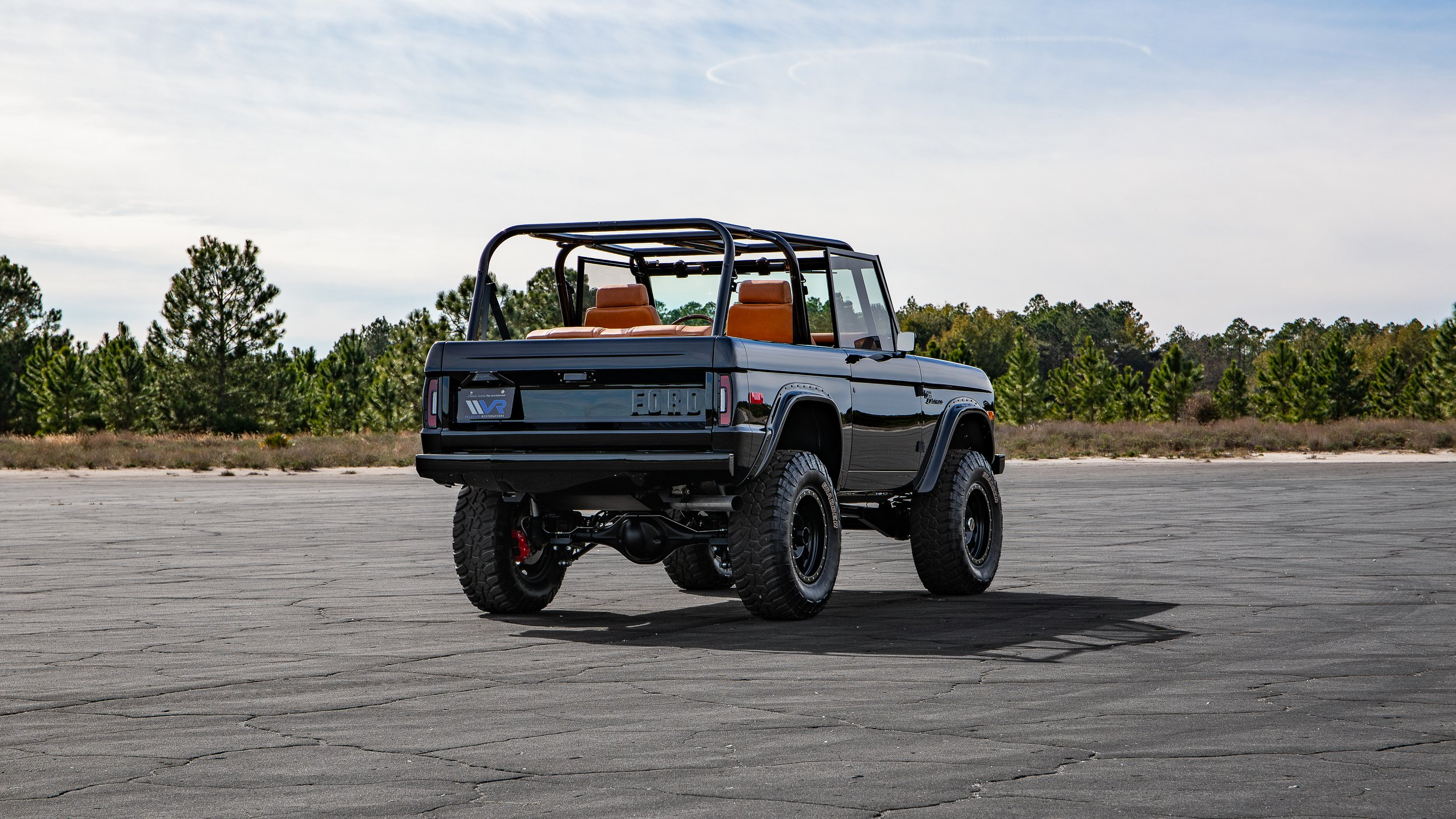 Ford Bronco 1969 by Velocity Restorations (9)
