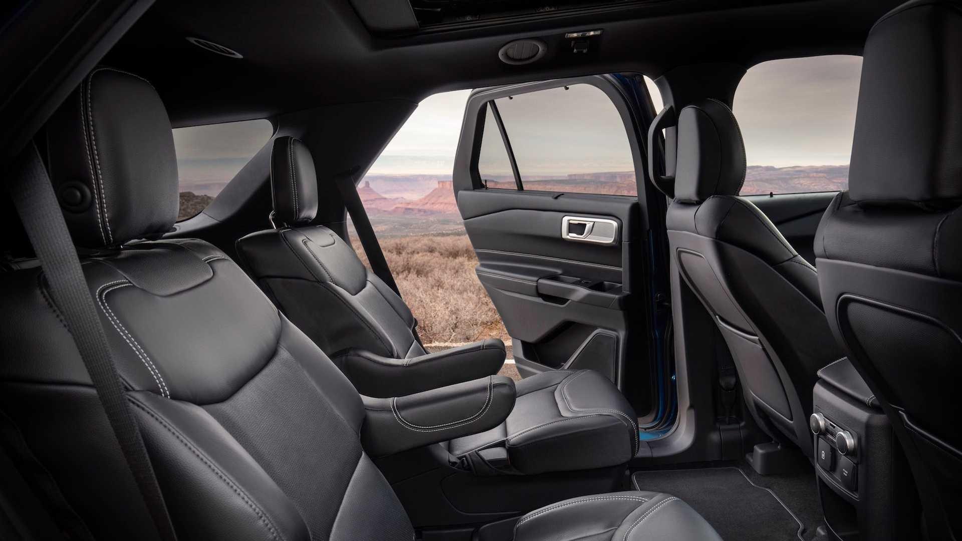 Ford Explorer 2020 (18)