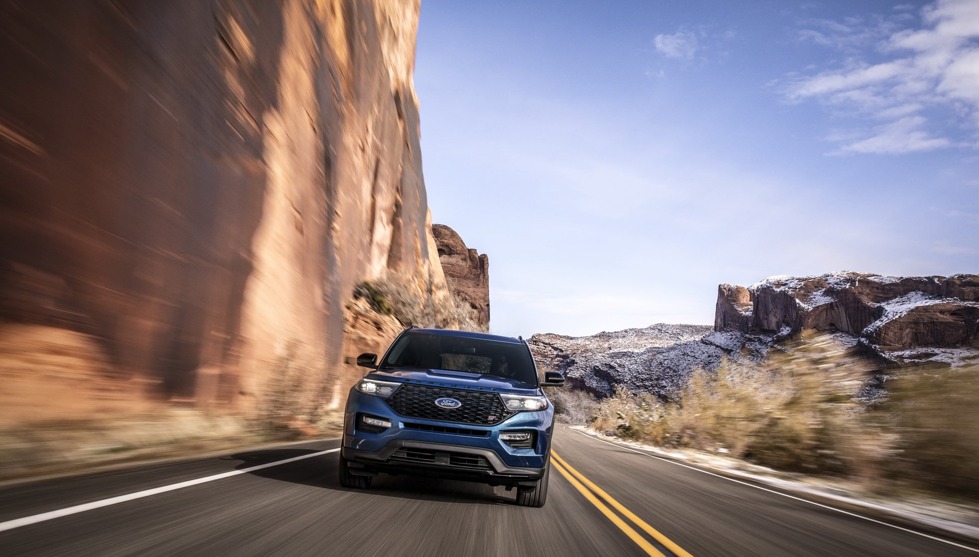 15f98357-2020-ford-explorer-st-unveiled-2