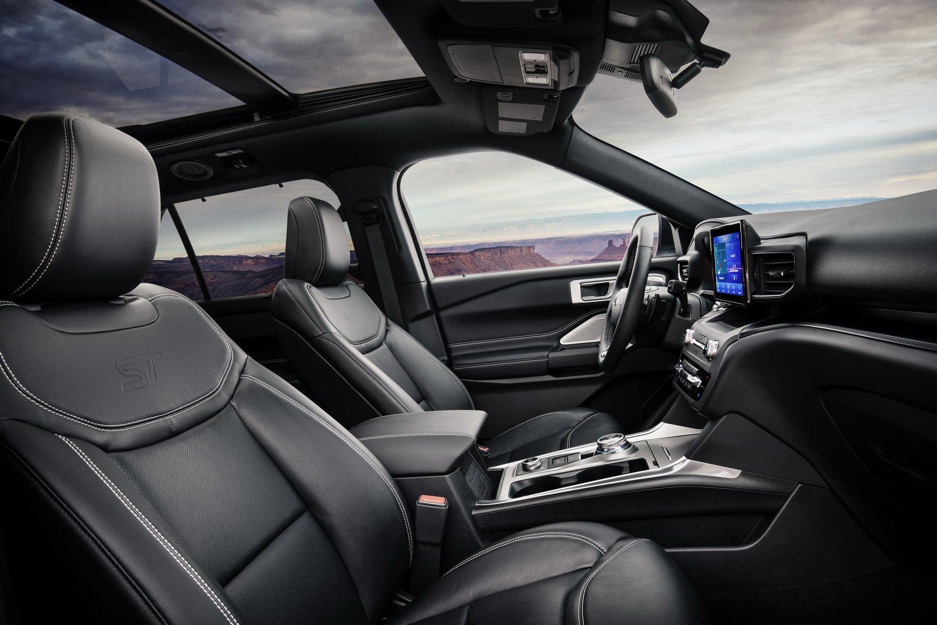 2d40de91-2020-ford-explorer-st-unveiled-17