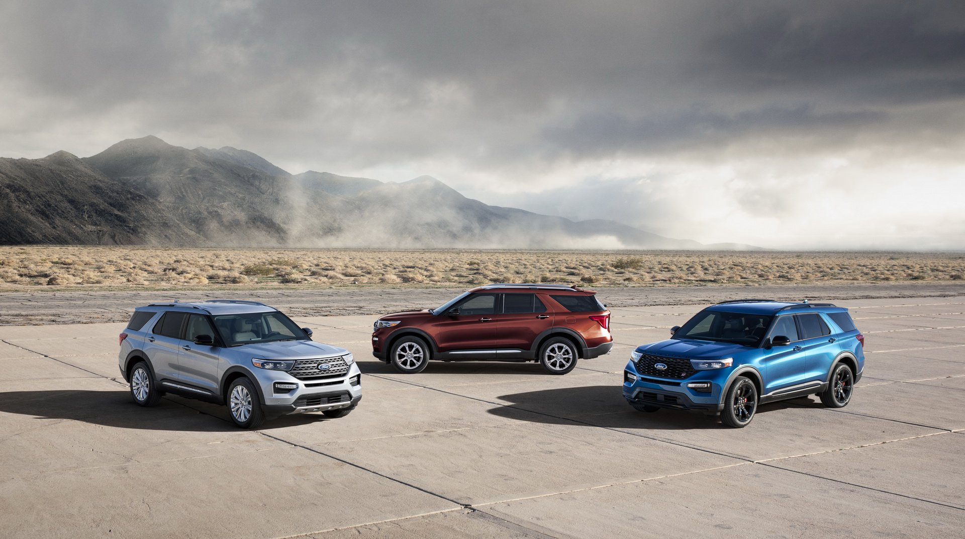 674d1627-2020-ford-explorer-st-unveiled-20