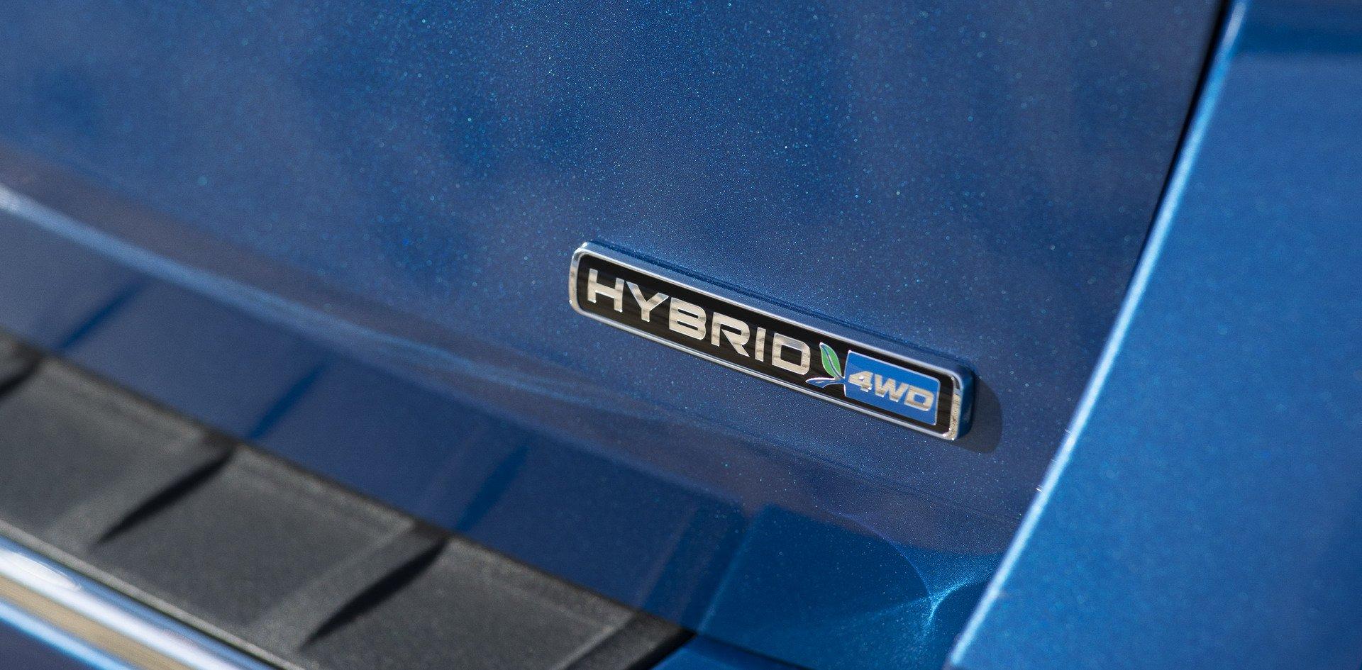 c709eef9-2020-ford-explorer-hybrid-7