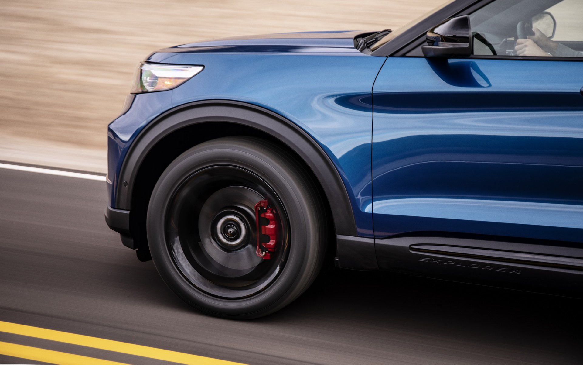 d8ff7a08-2020-ford-explorer-st-unveiled-5