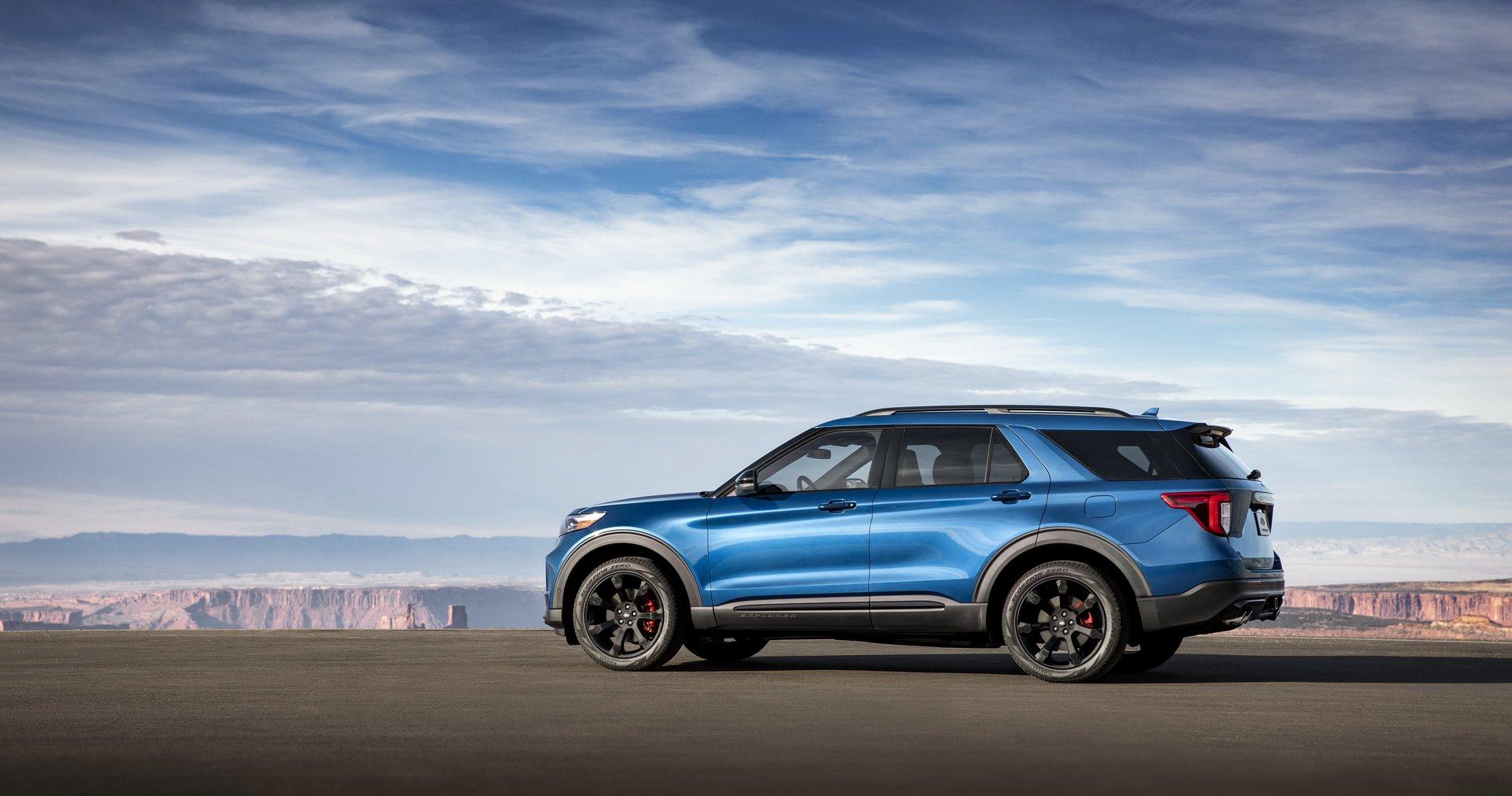 e7ae8e97-2020-ford-explorer-st-unveiled-9