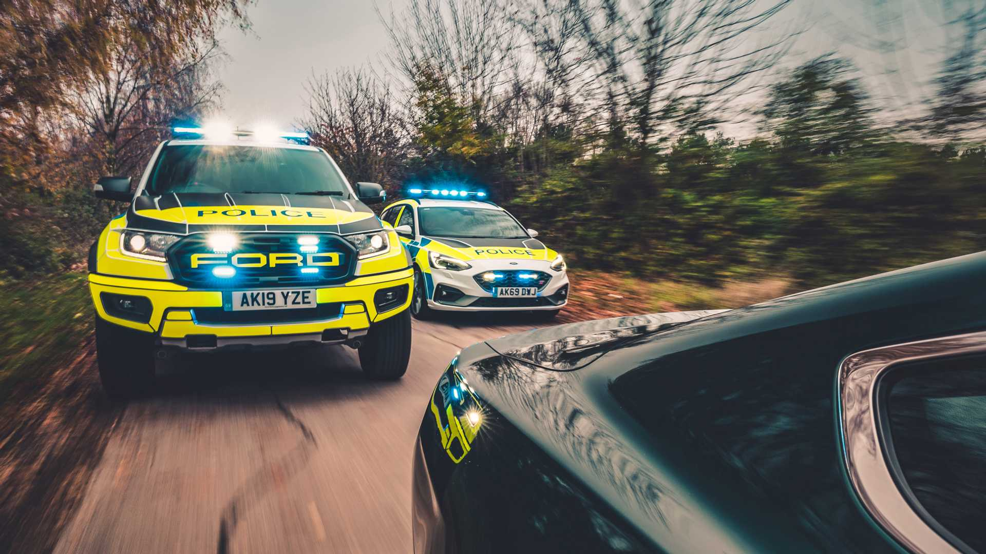 Ford-Focus-ST-and-Ranger-Raptor-UK-police-cars-1