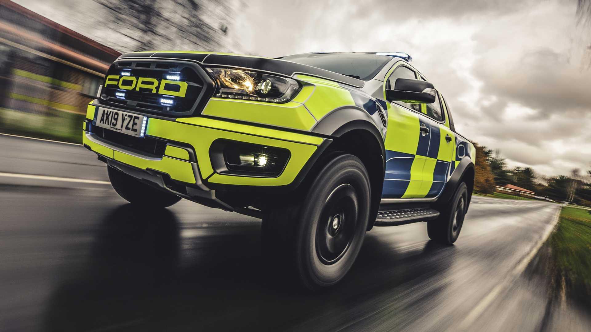 Ford-Focus-ST-and-Ranger-Raptor-UK-police-cars-12