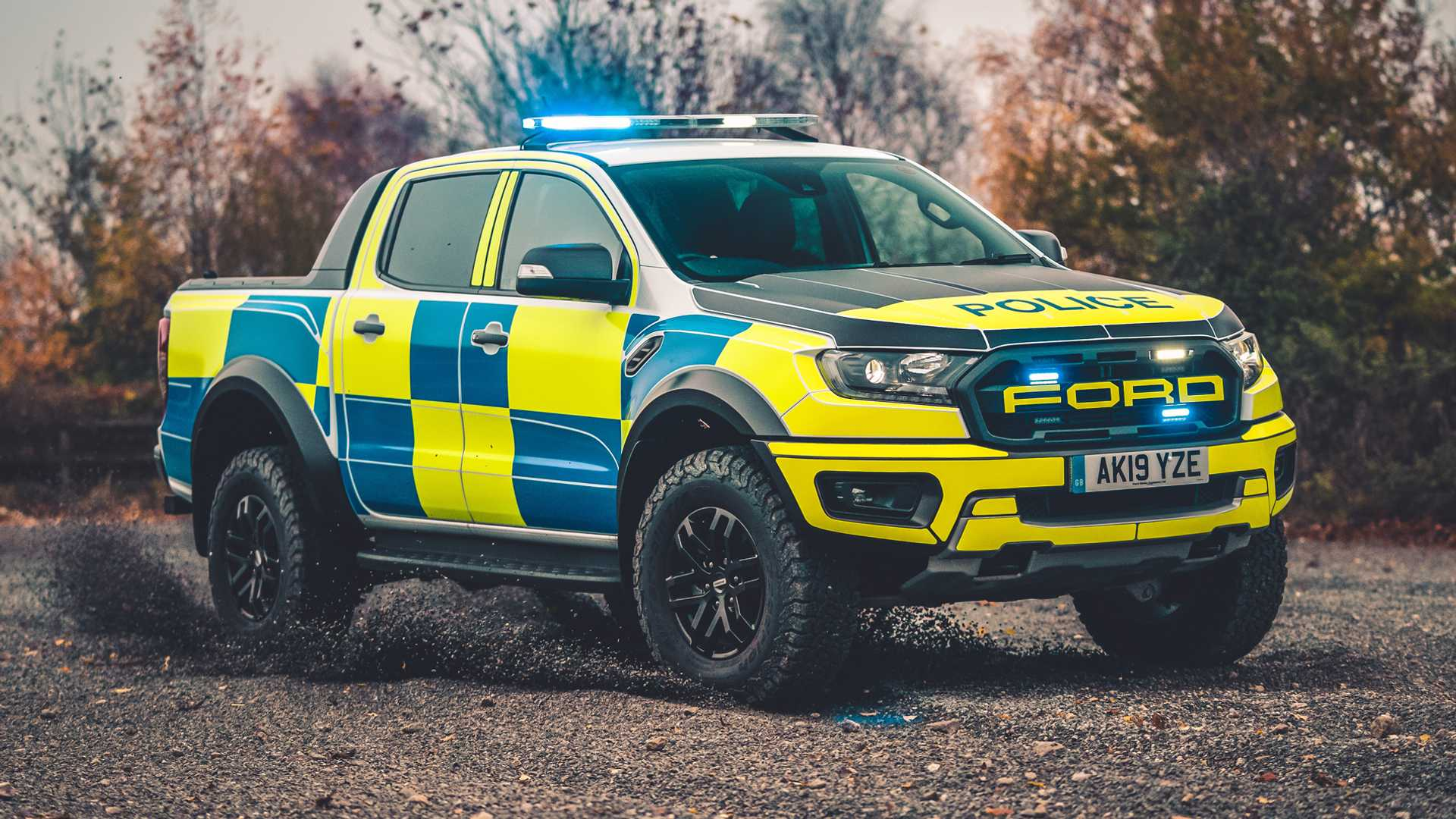 Ford-Focus-ST-and-Ranger-Raptor-UK-police-cars-14