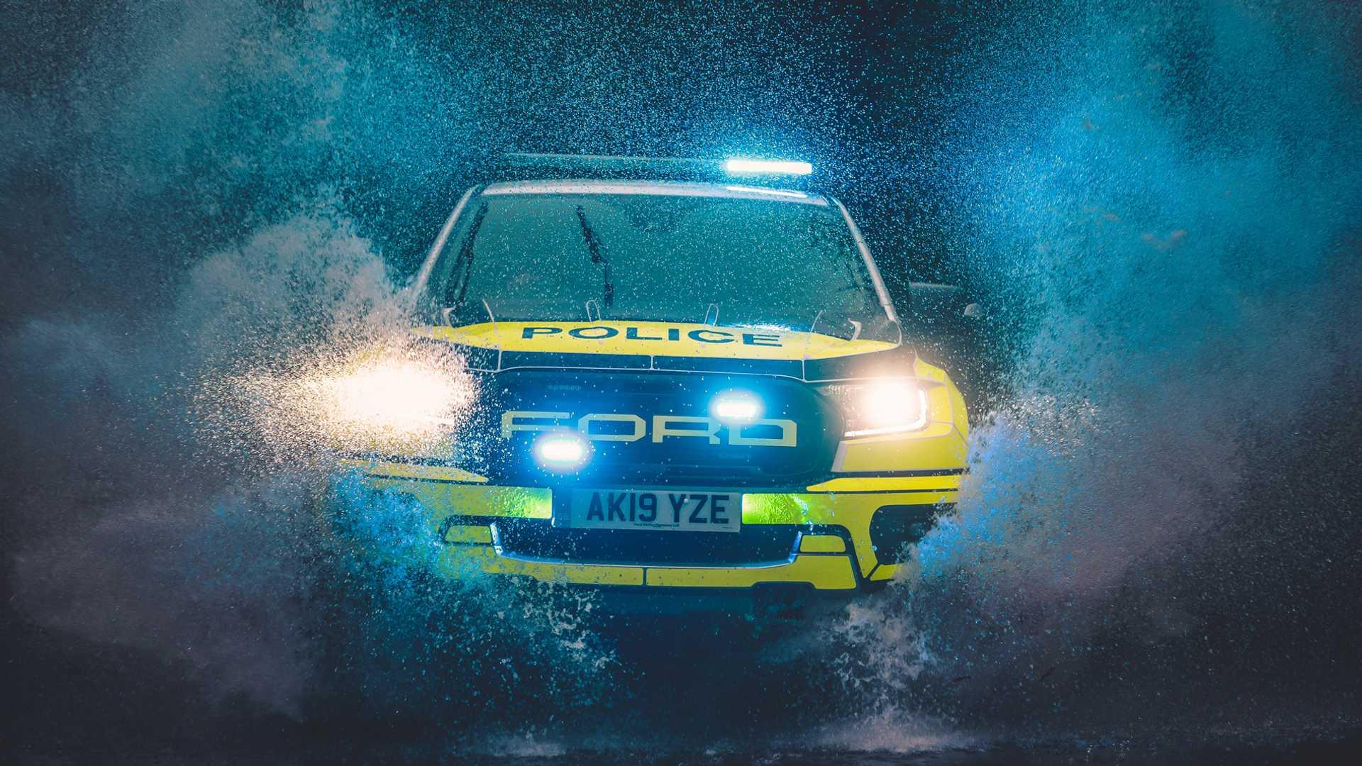 Ford-Focus-ST-and-Ranger-Raptor-UK-police-cars-16