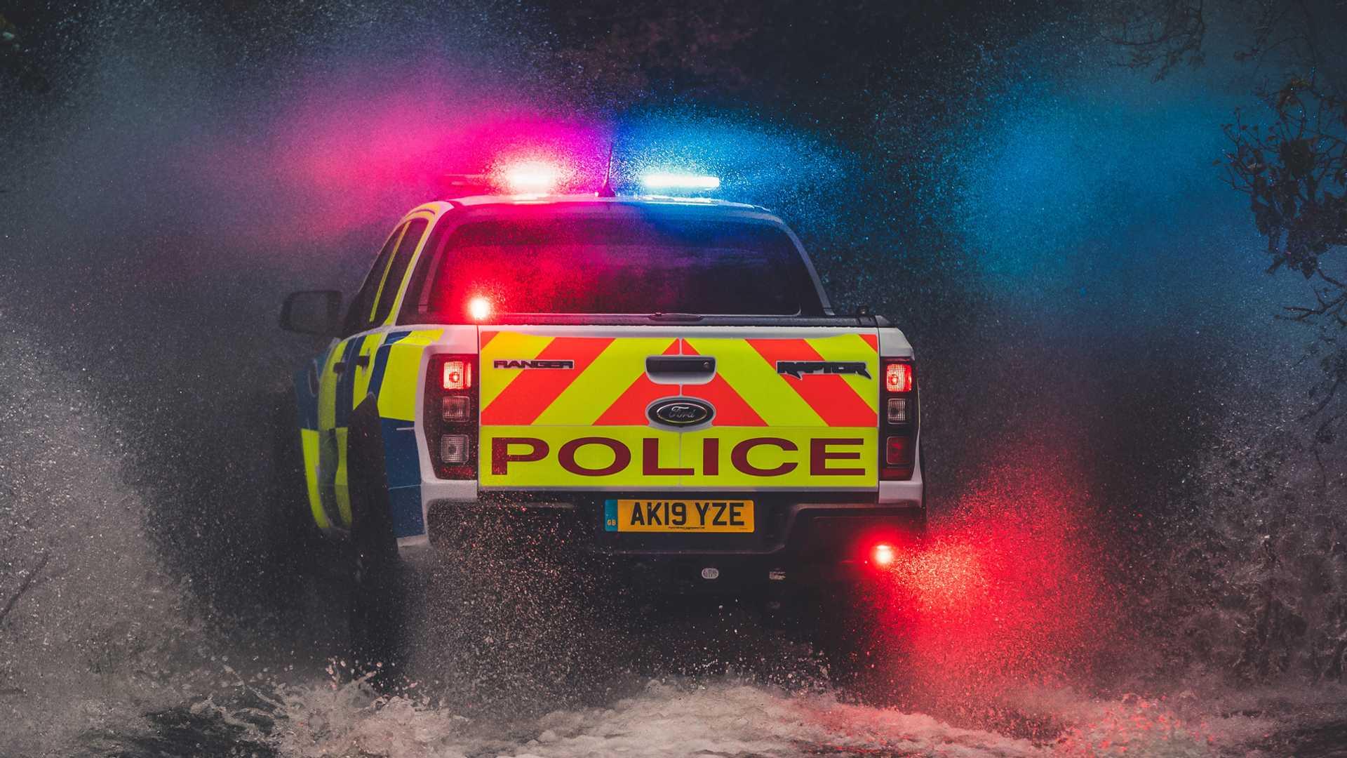 Ford-Focus-ST-and-Ranger-Raptor-UK-police-cars-17