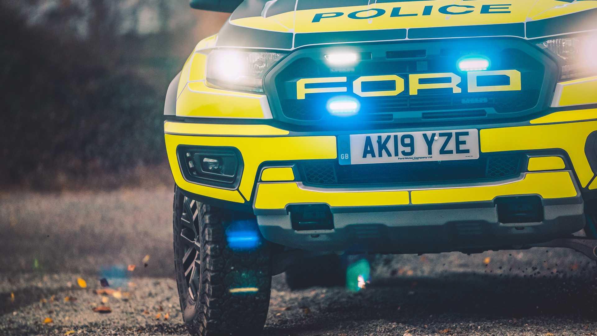Ford-Focus-ST-and-Ranger-Raptor-UK-police-cars-18