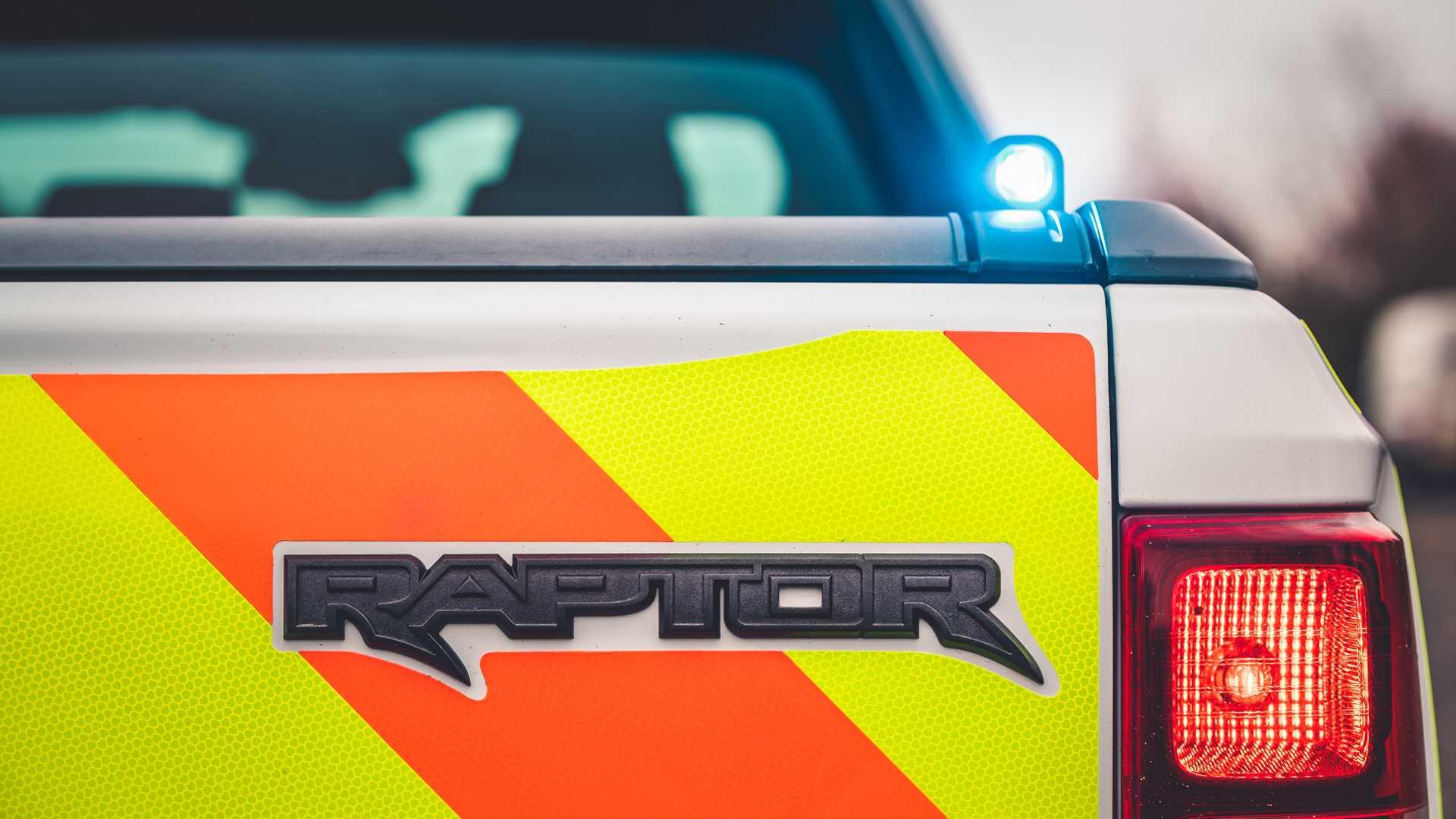Ford-Focus-ST-and-Ranger-Raptor-UK-police-cars-19