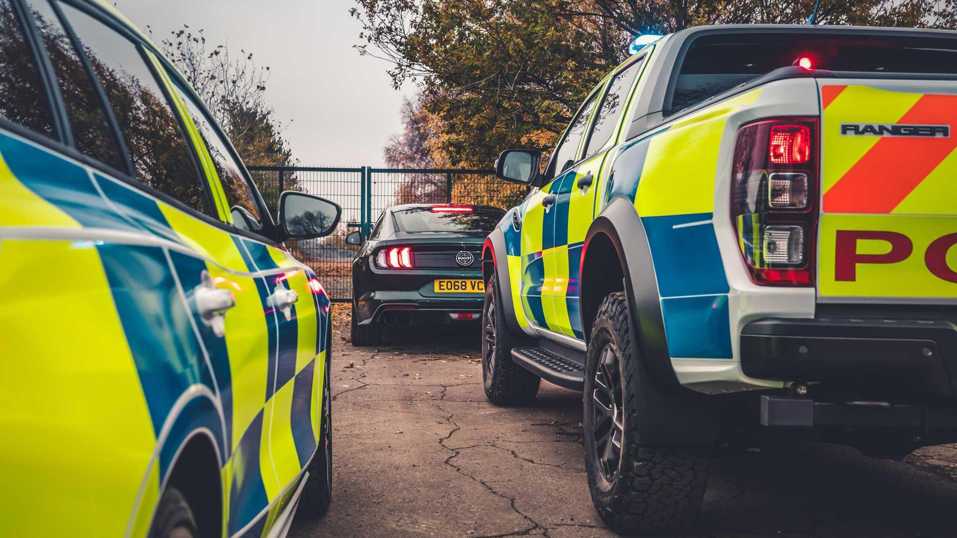 Ford-Focus-ST-and-Ranger-Raptor-UK-police-cars-3