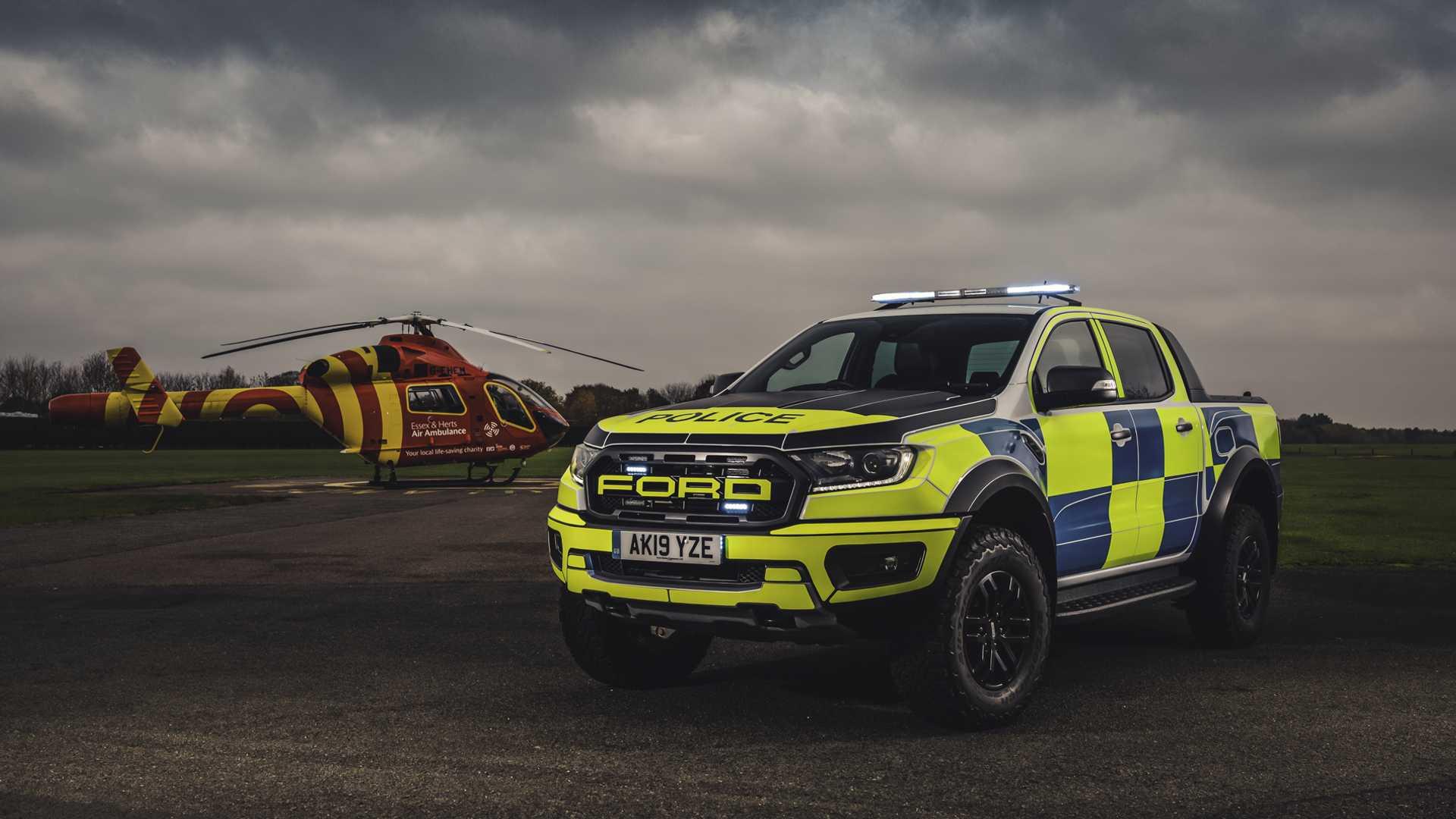 Ford-Focus-ST-and-Ranger-Raptor-UK-police-cars-4