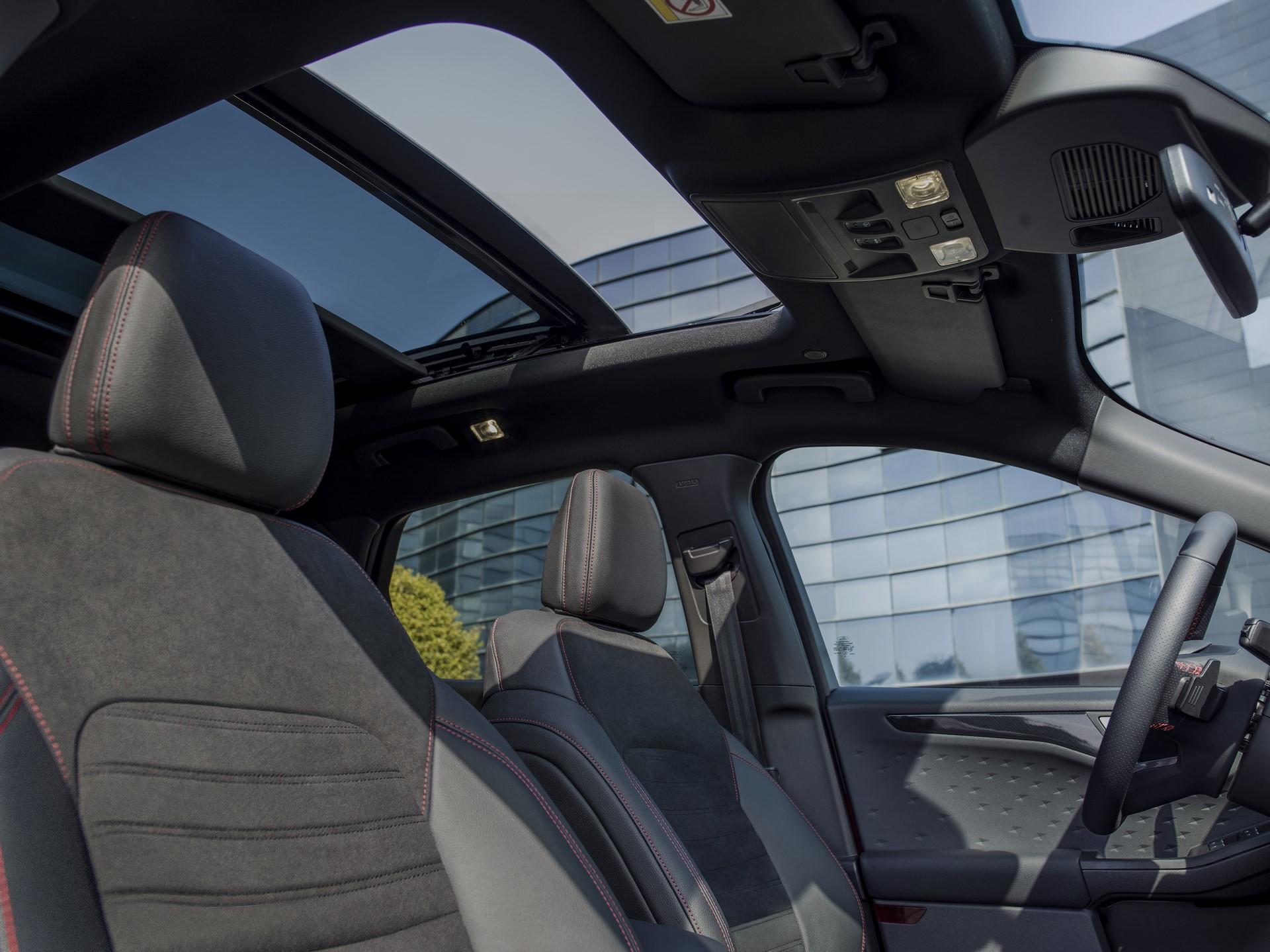 Ford-Kuga-2020-15