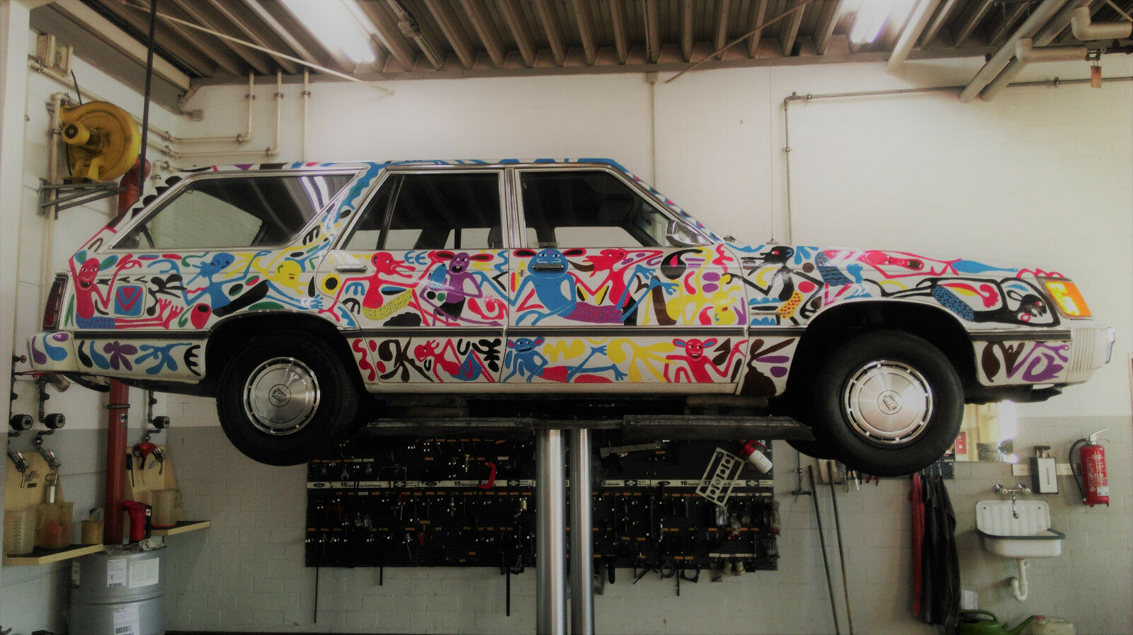 Ford LTD Station Wagon Car art George Lilanga (8)