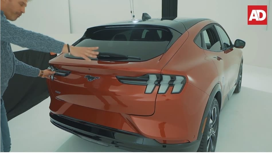 2021-Mustang-Mach-E-74953526_532712997460304_5518428900191669592_n