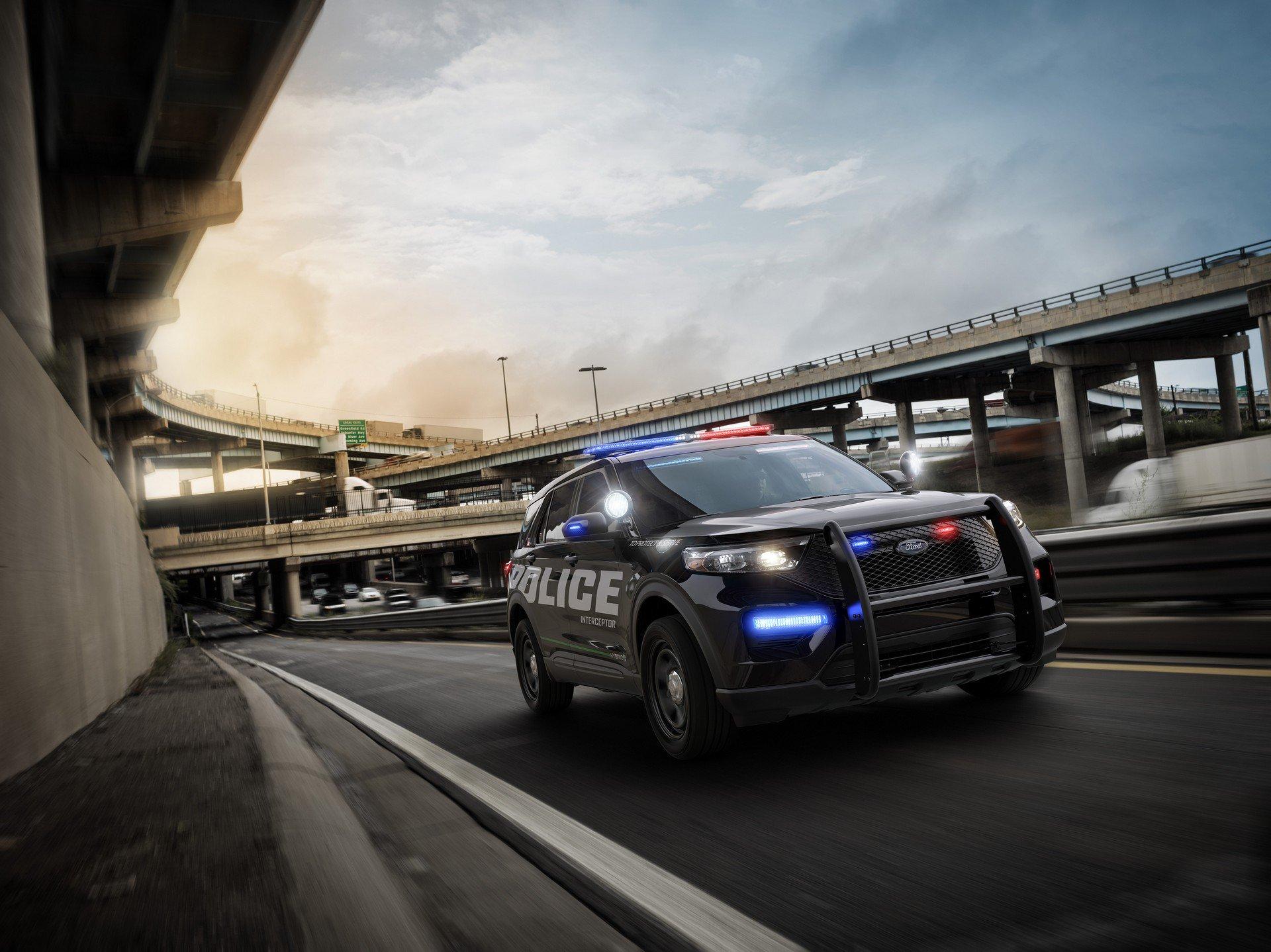Ford Police Interceptor Utility Hybrid 2020 (1)