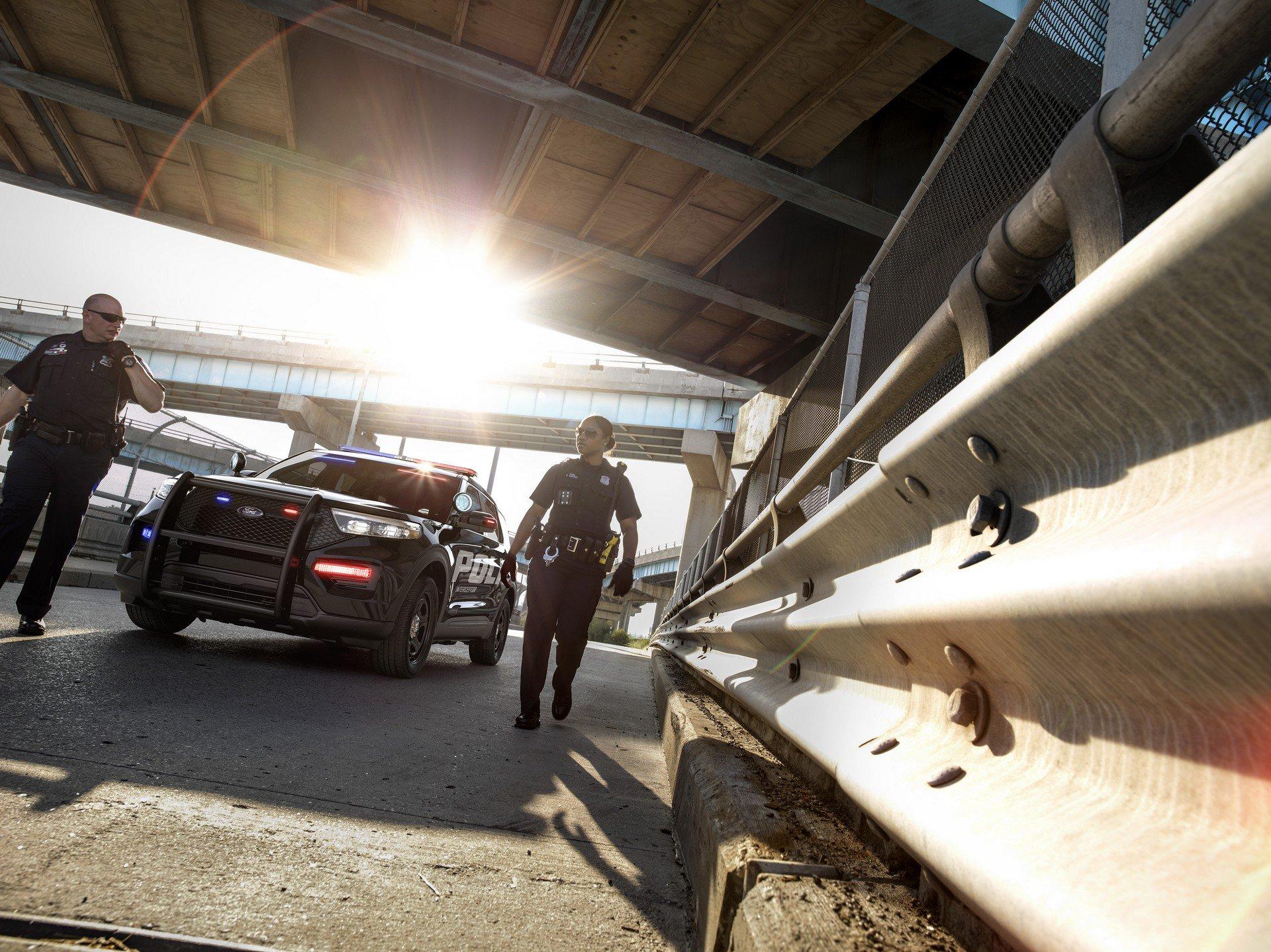Ford Police Interceptor Utility Hybrid 2020 (3)