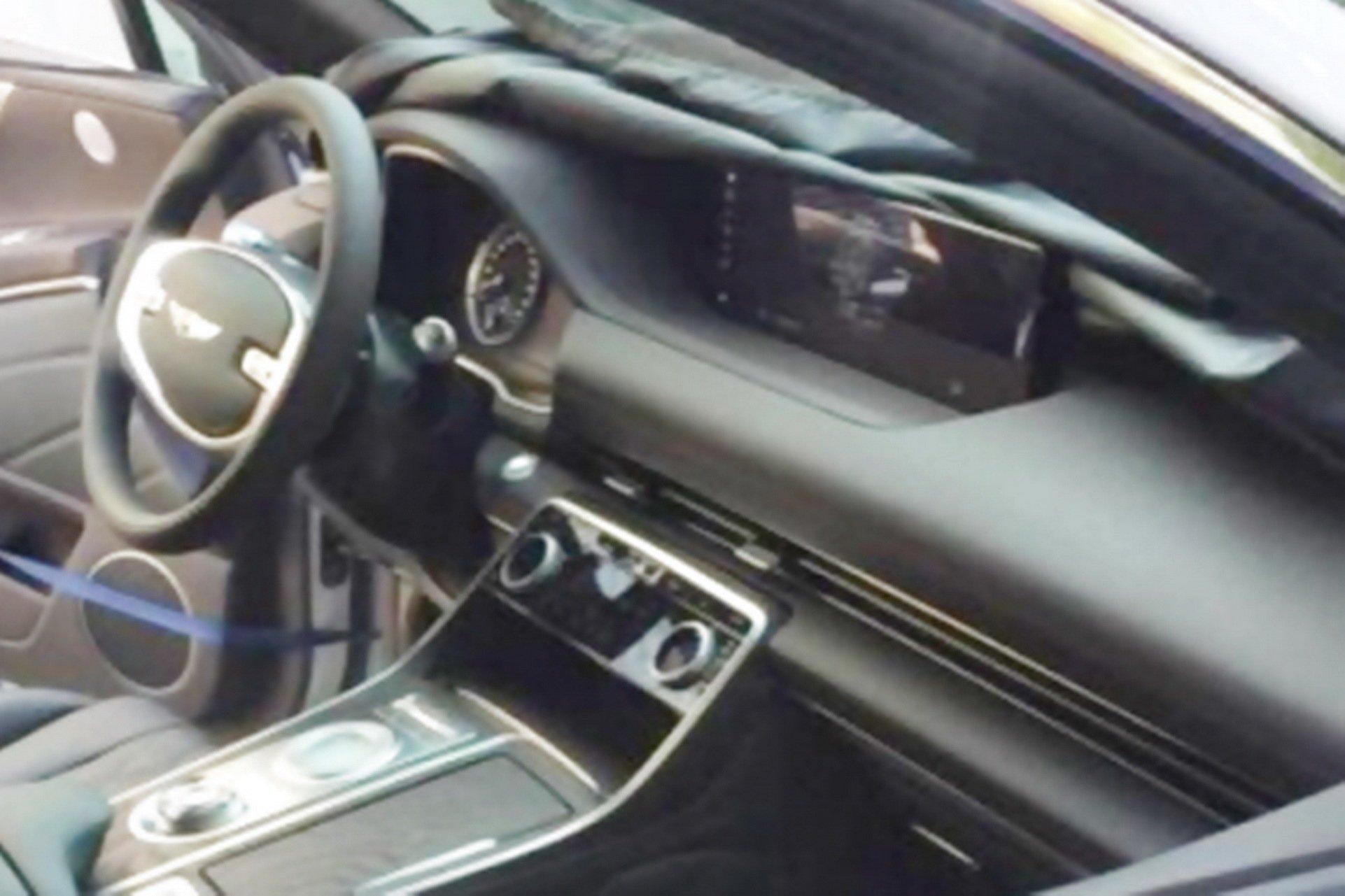 Genesis-GV80-interior-spy-photos-4