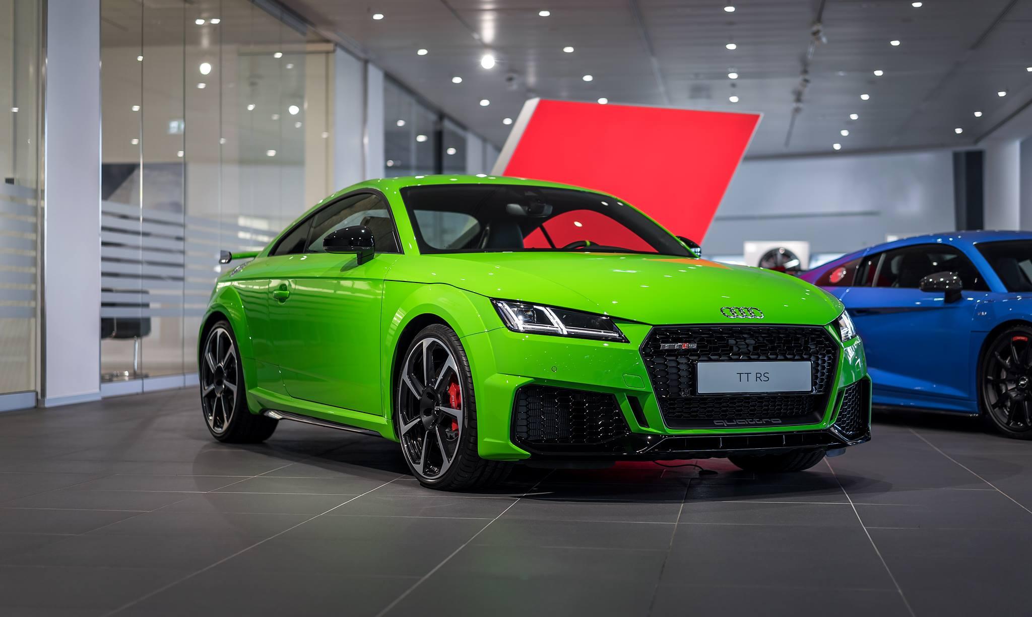 Green Audi TT RSi (1)