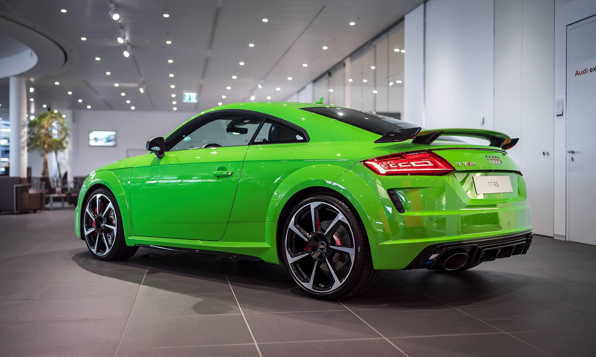 Green Audi TT RSi (2)