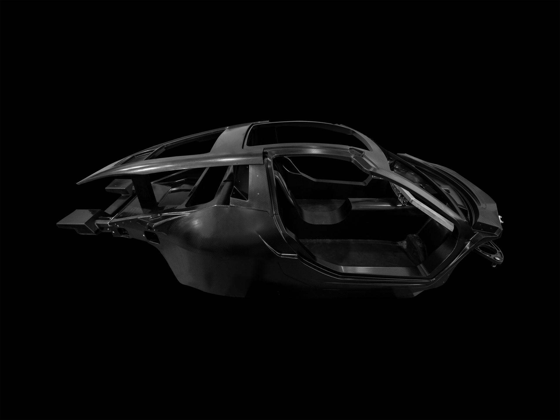 Hispano-Suiza-Carmen-carbon-fibre-monocoque
