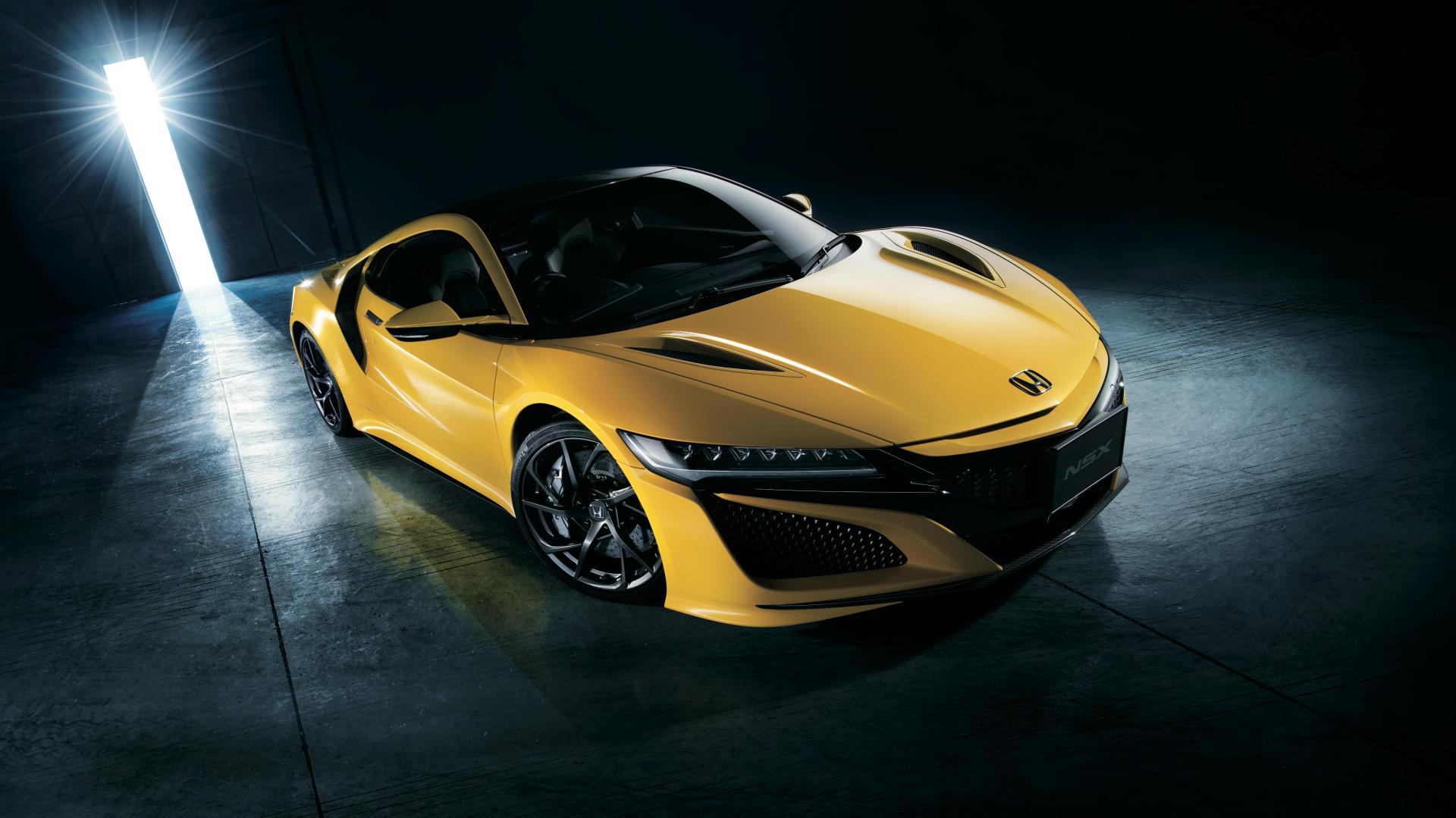 Honda-NSX-in-Indy-Yellow-Pearl-II