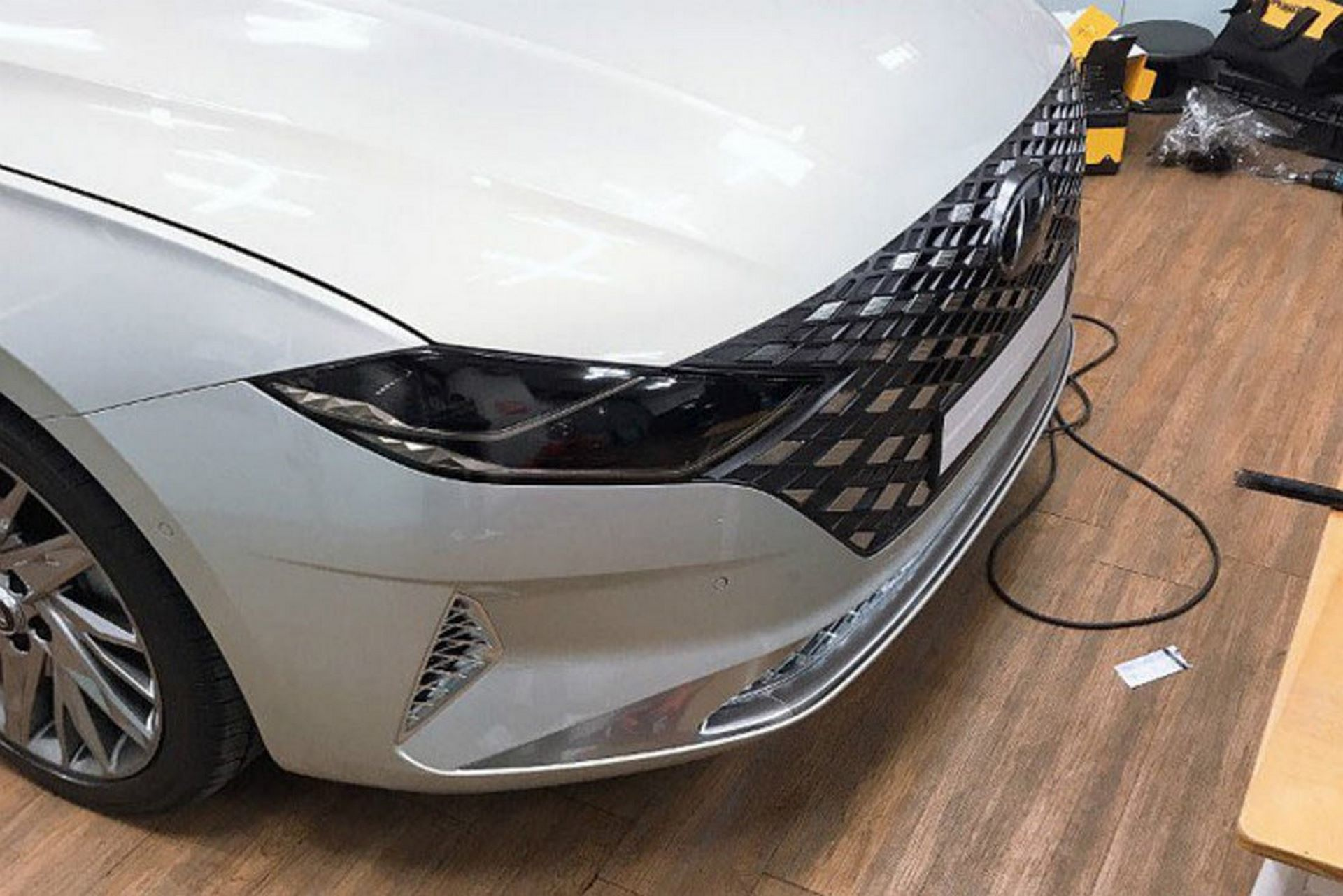 Hyundai-Grandeur-Azera-2020-leaked-photos-1