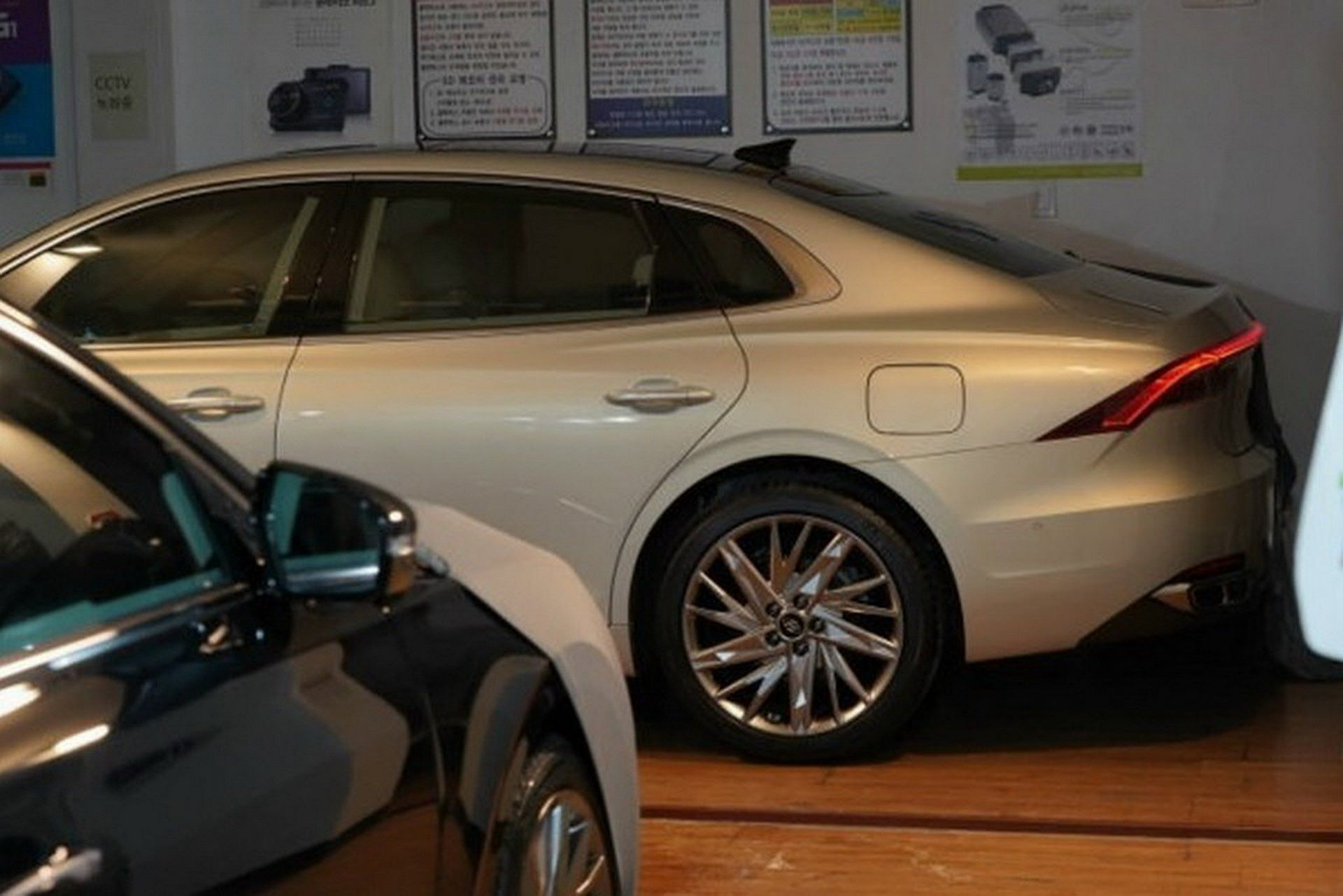 Hyundai-Grandeur-Azera-2020-leaked-photos-3