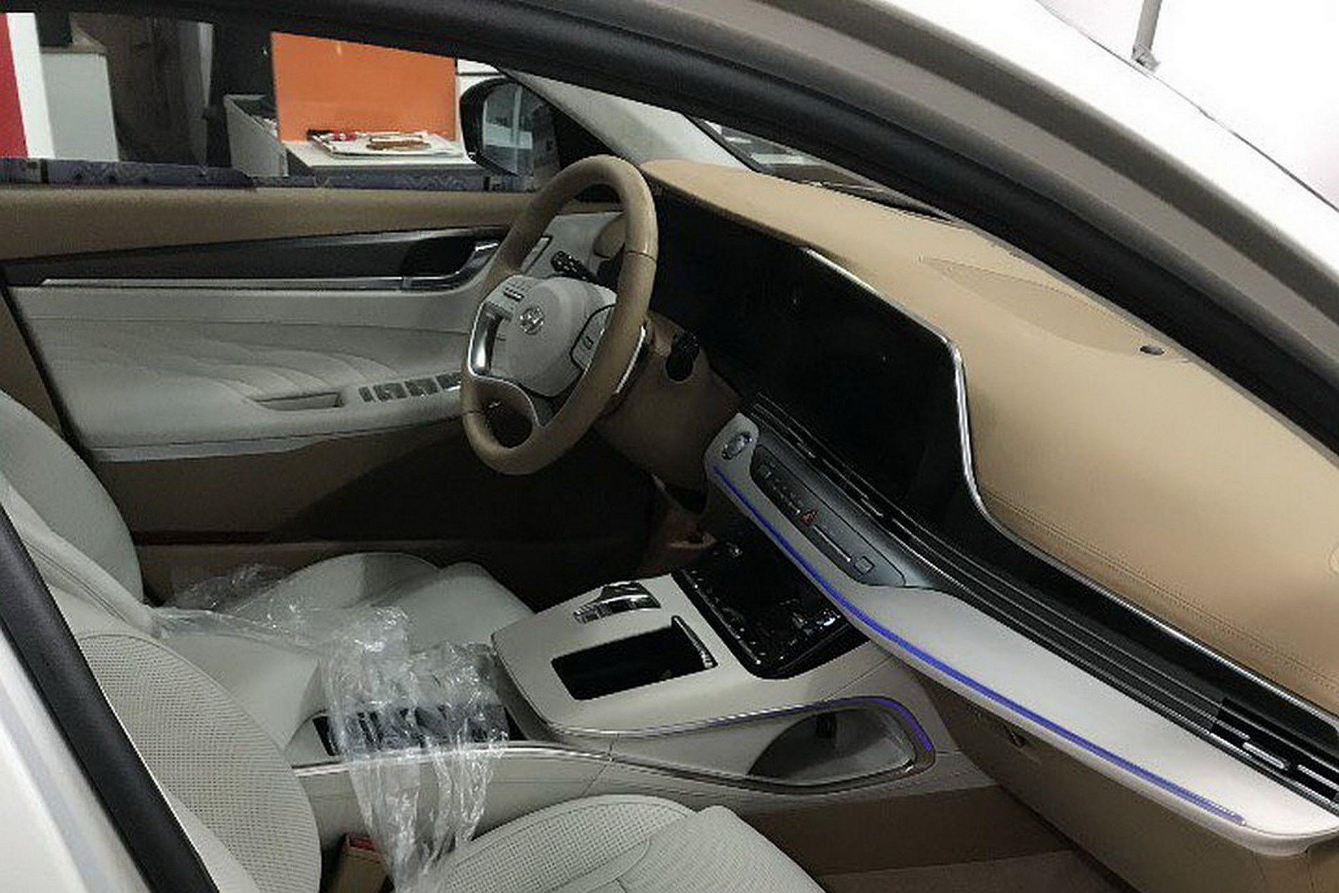 Hyundai-Grandeur-Azera-2020-leaked-photos-5