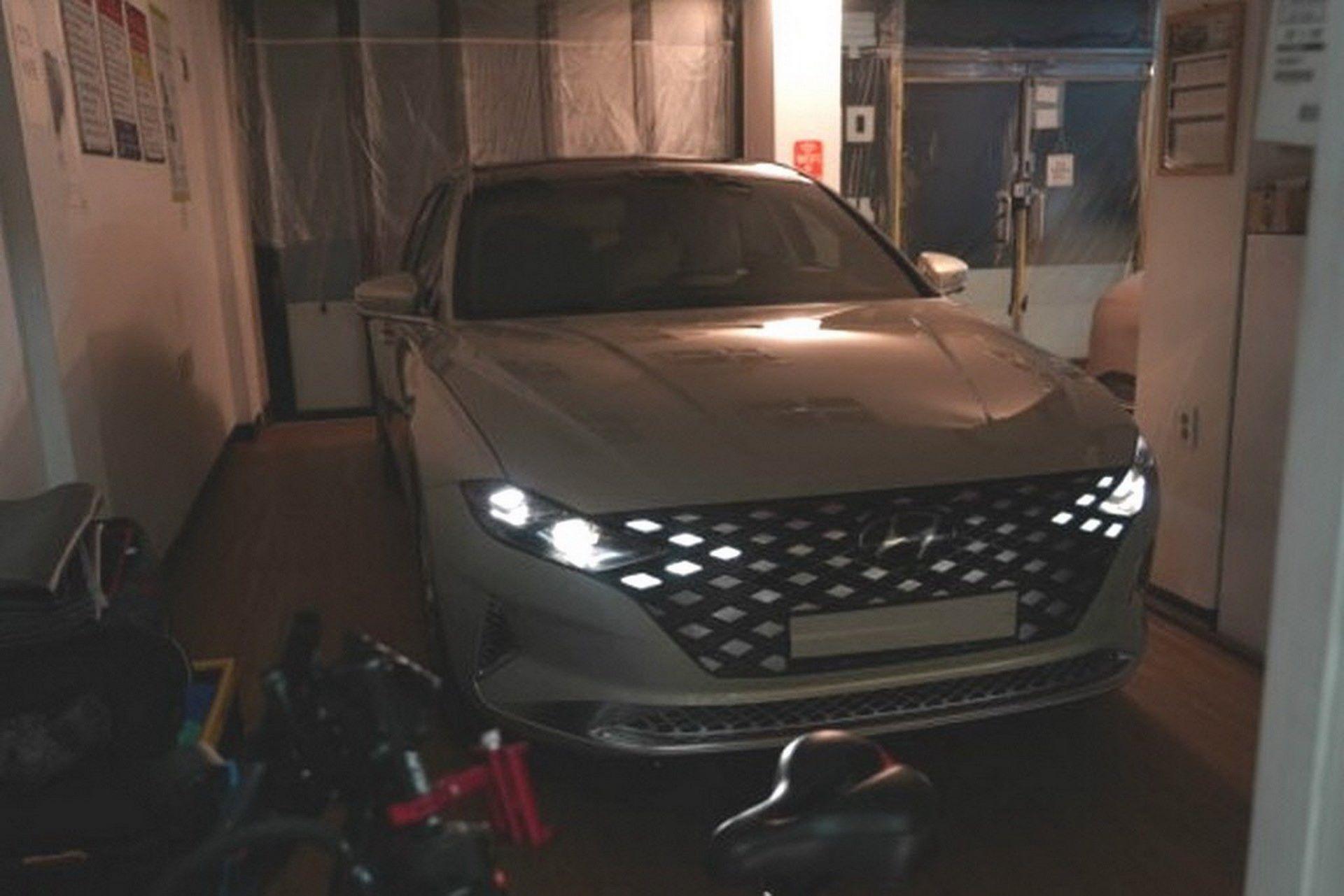 Hyundai-Grandeur-Azera-2020-leaked-photos-7