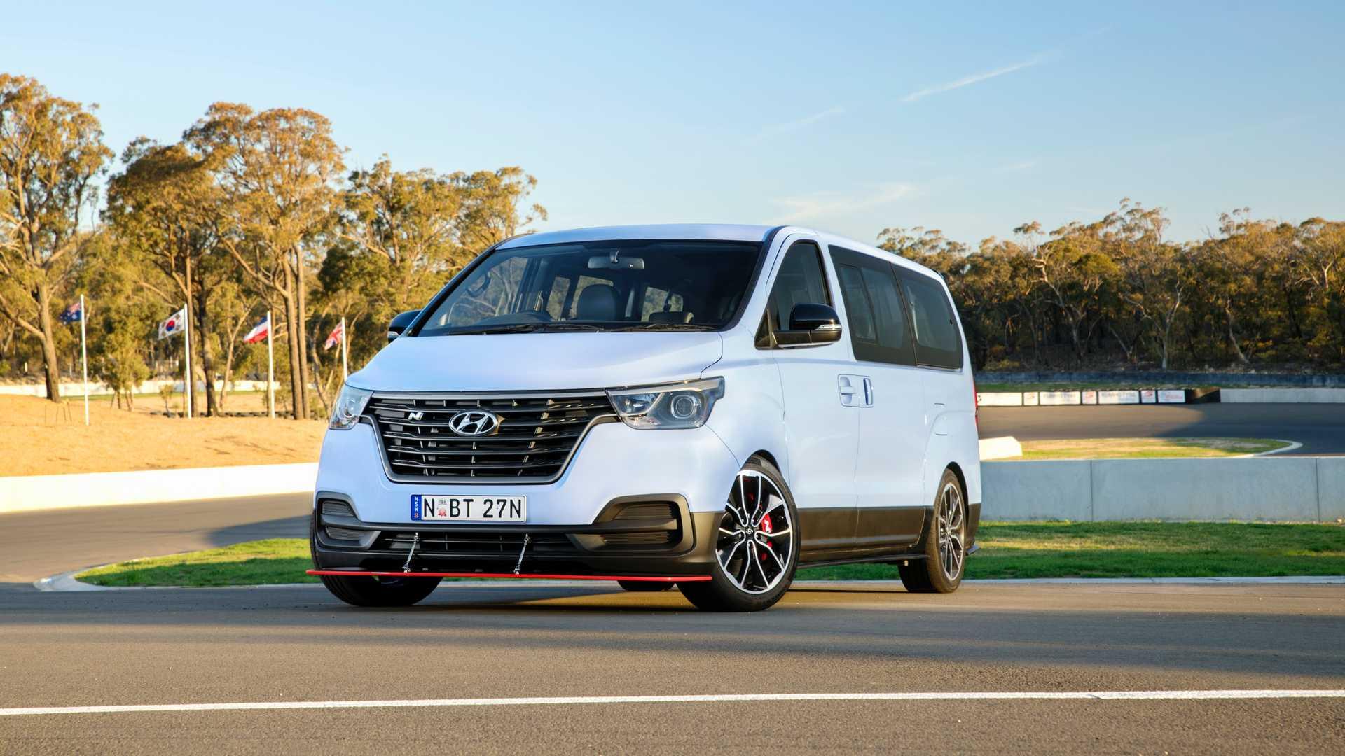 Hyundai-iMax-N-Drift-Bus-2