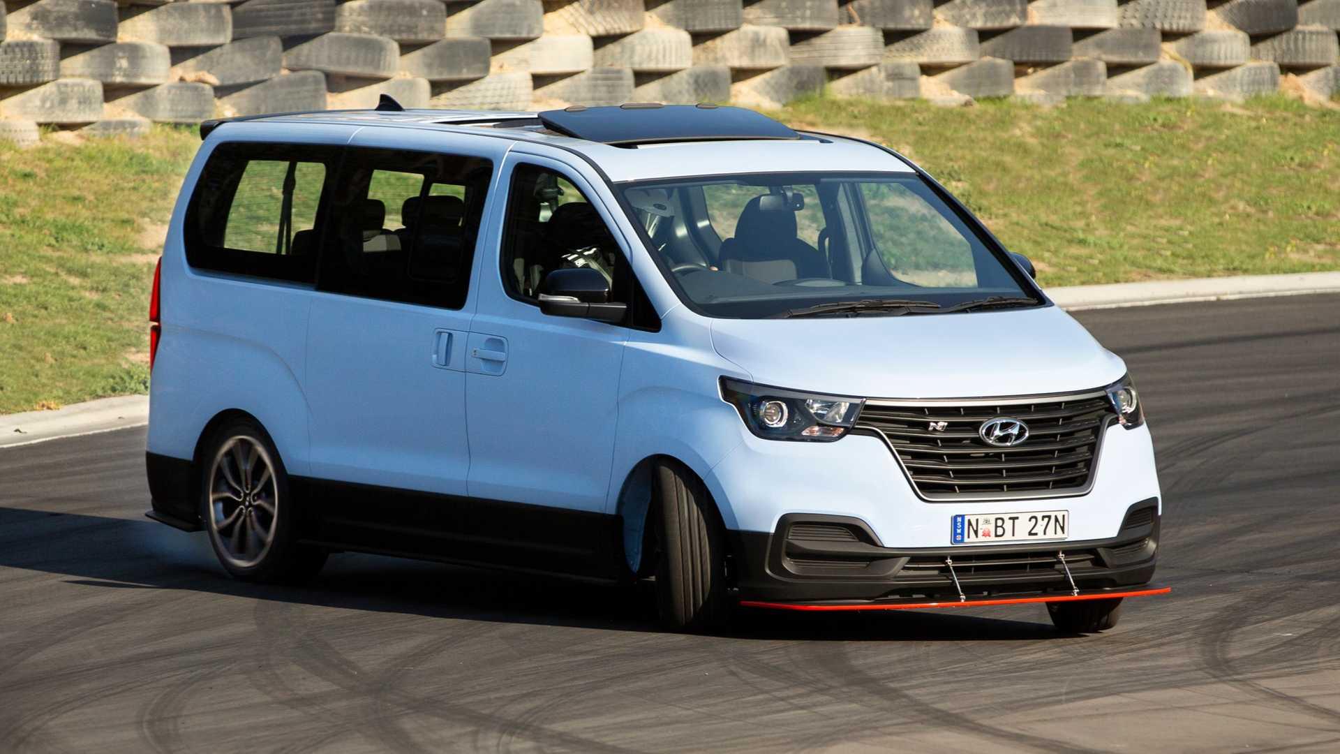 Hyundai-iMax-N-Drift-Bus-4