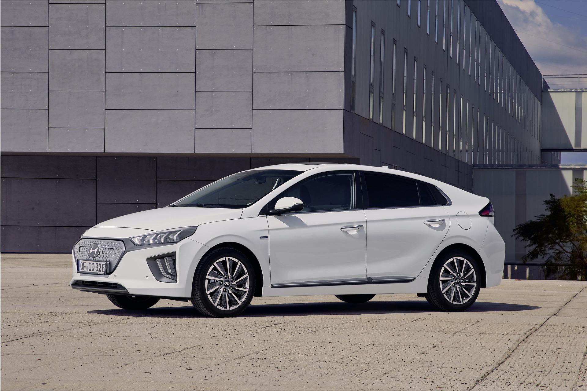 New-Hyundai-IONIQ-Electric-1