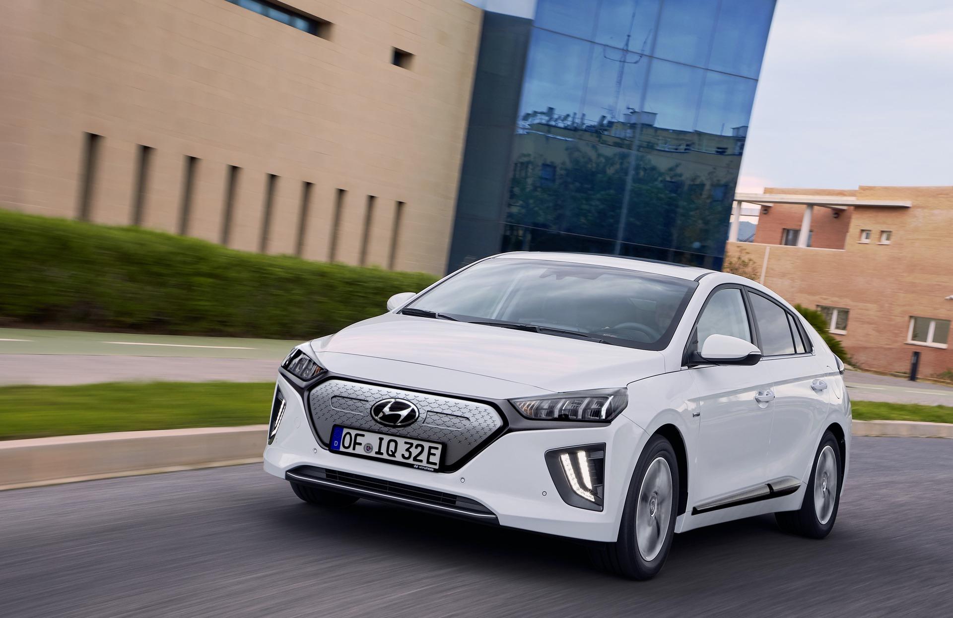 New-Hyundai-IONIQ-Electric-20