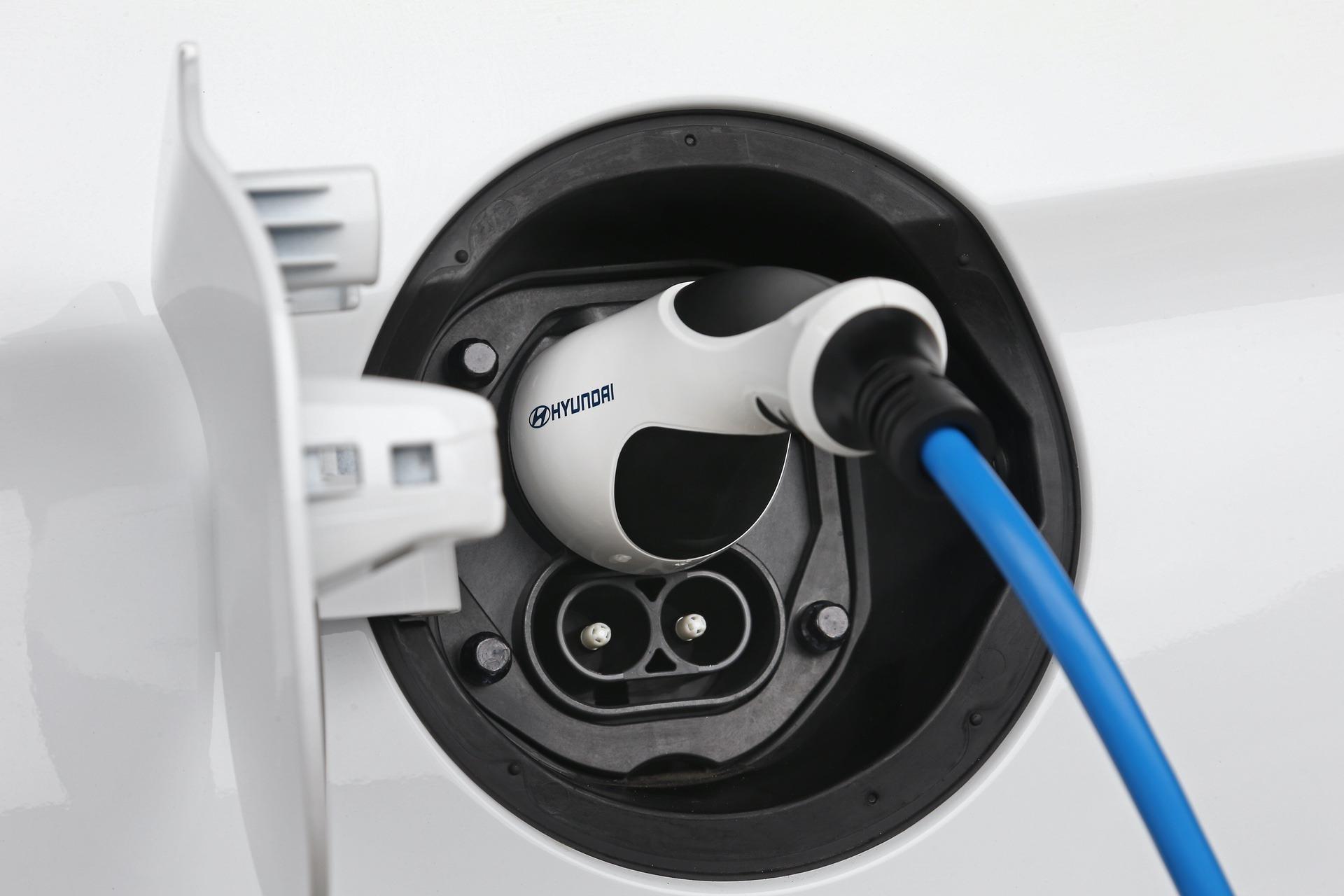 New-Hyundai-IONIQ-Electric-22