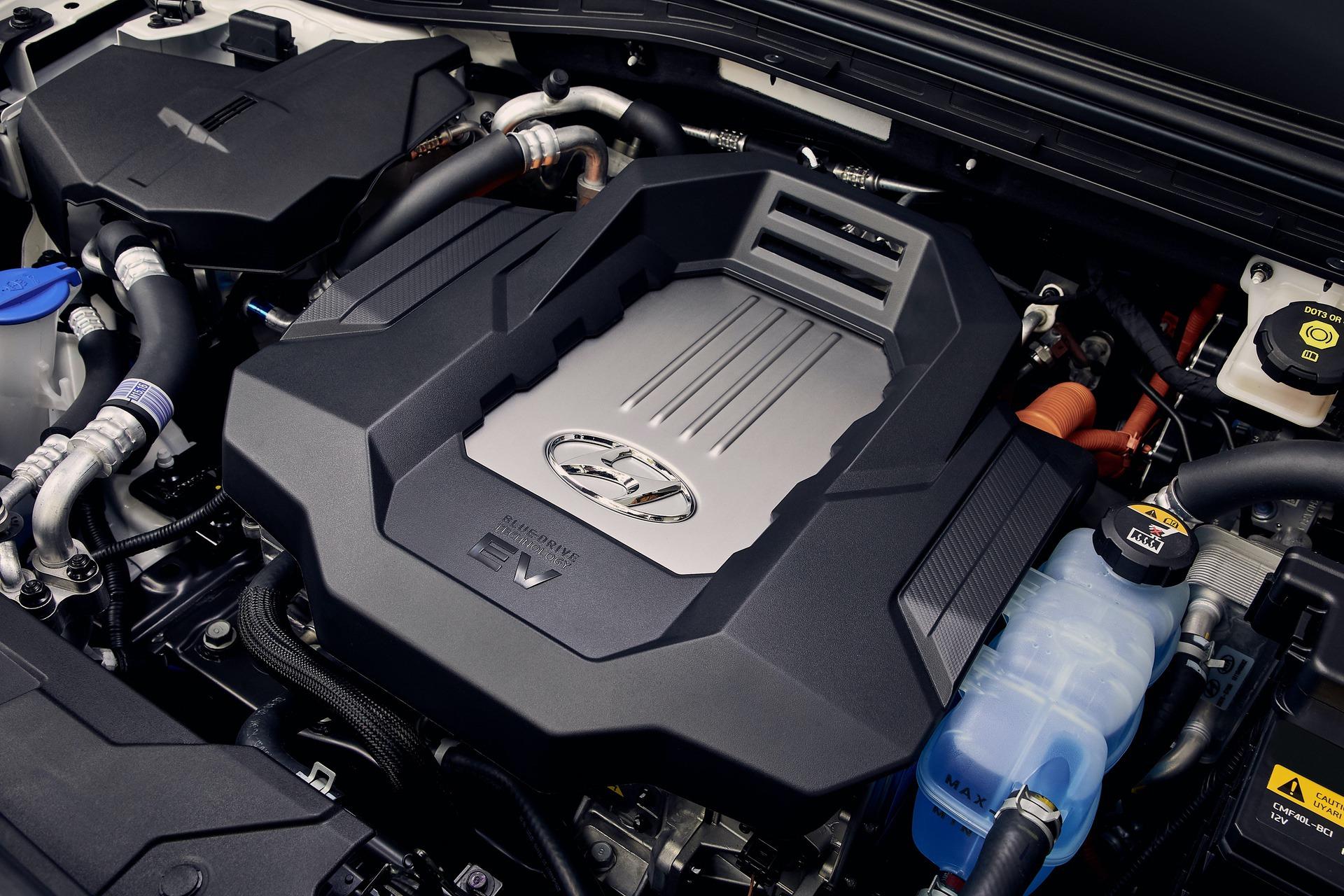 New-Hyundai-IONIQ-Electric-25