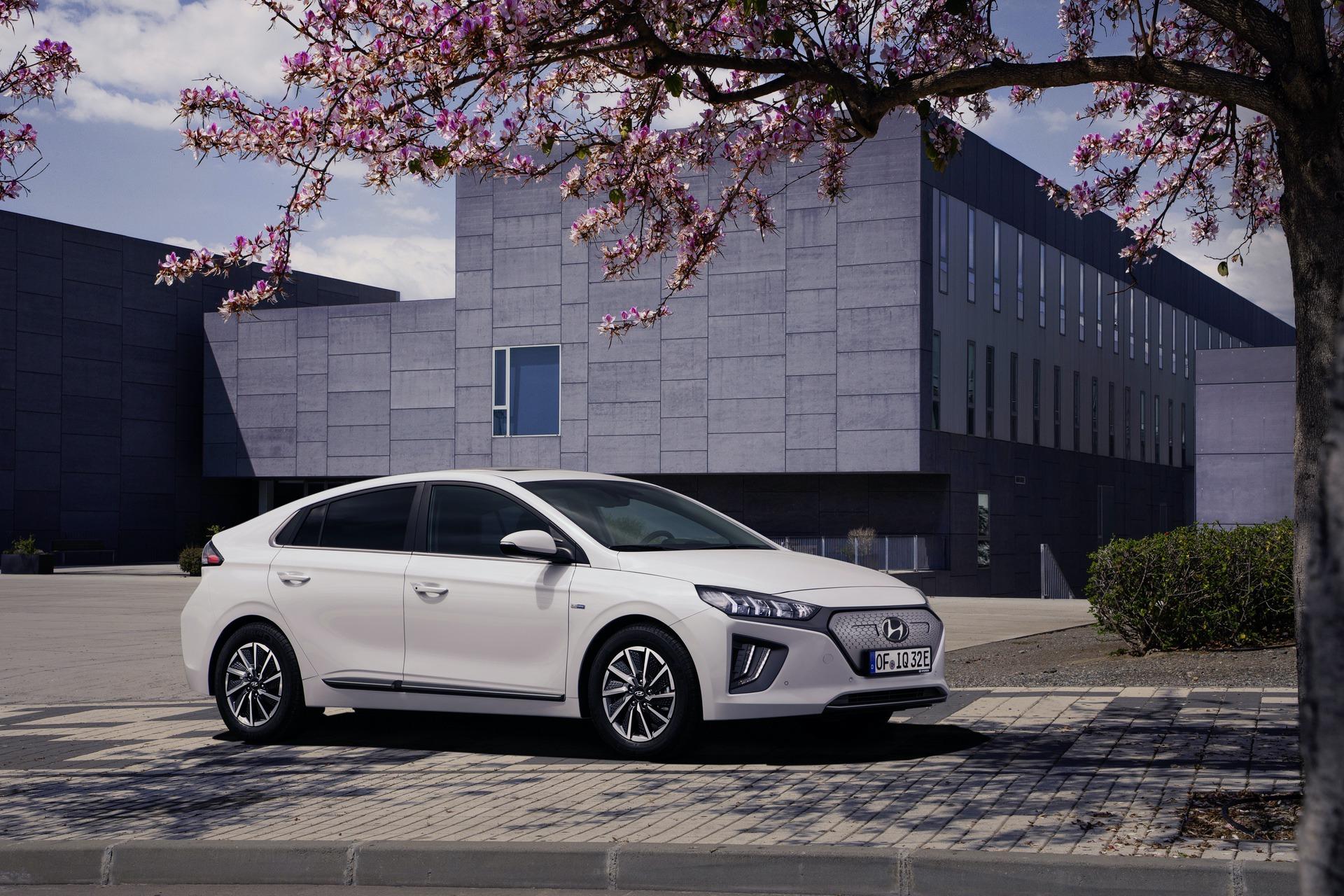 New-Hyundai-IONIQ-Electric-3